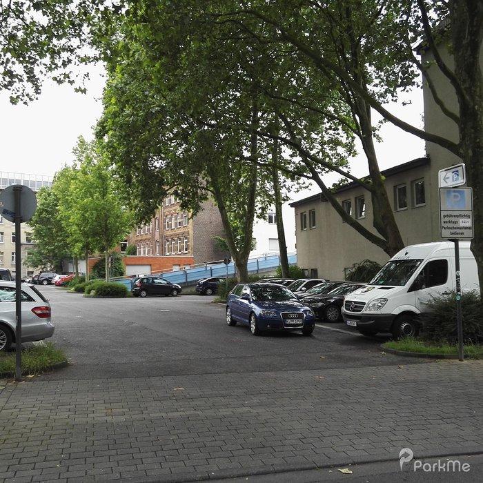 josephstra e 5 garage parking in k ln parkme. Black Bedroom Furniture Sets. Home Design Ideas