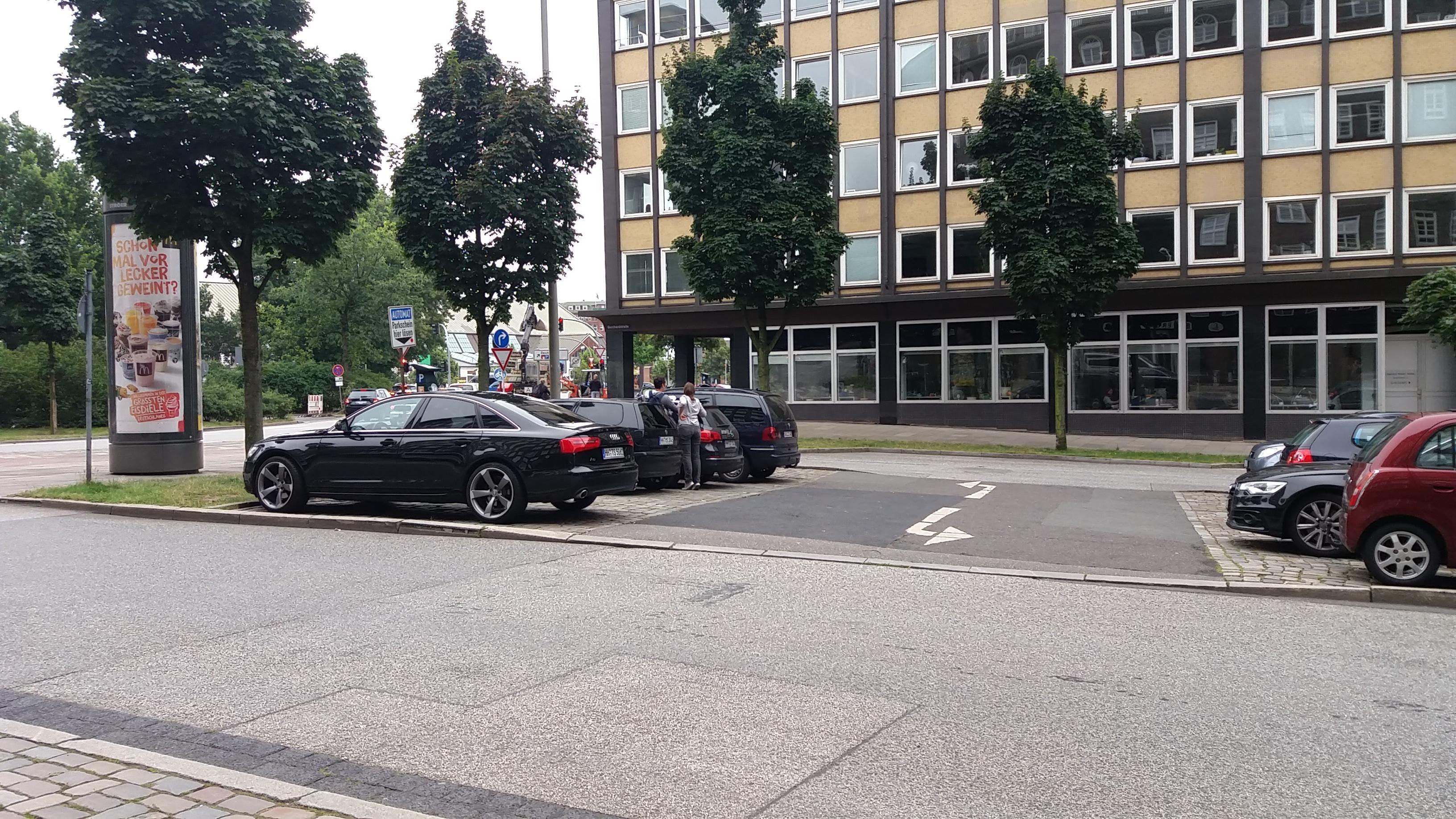 burchardstra e 11 parking parkplatz in hamburg parkme. Black Bedroom Furniture Sets. Home Design Ideas