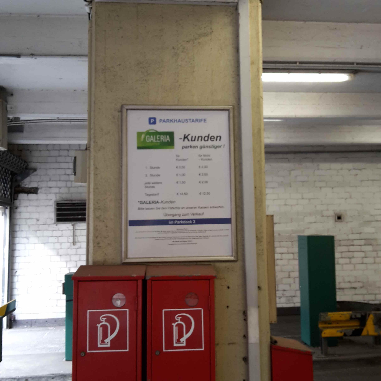 Galeria Kaufhof: Galeria Kaufhof - Parking In Duisburg