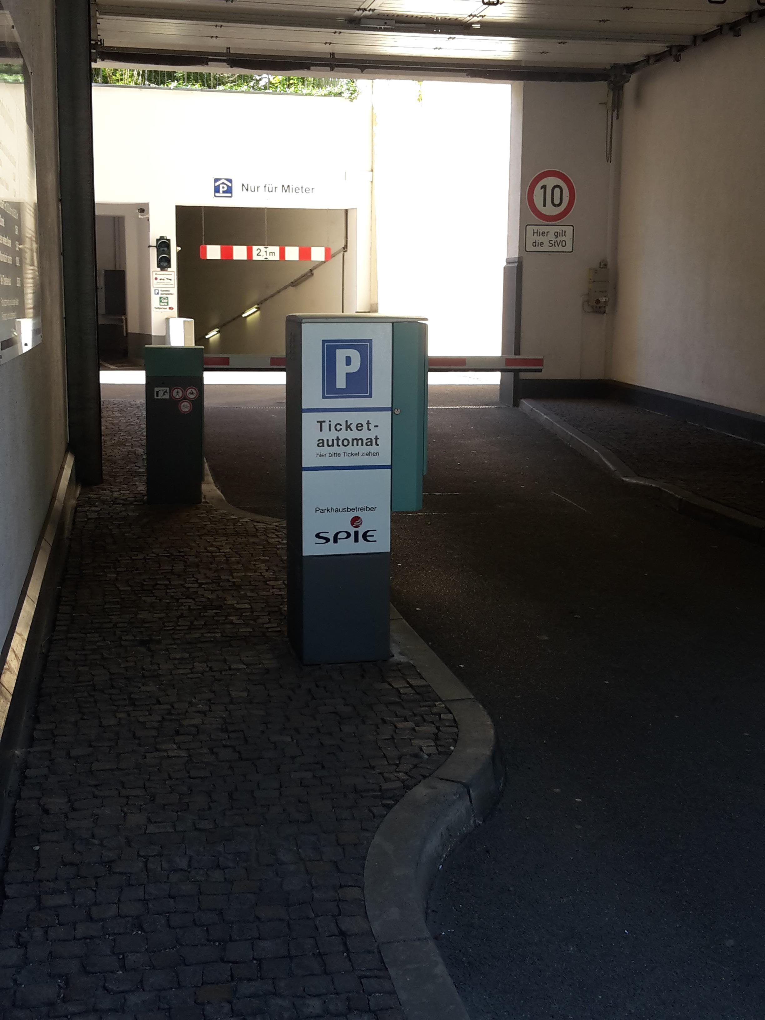 parkhaus am brühl leipzig