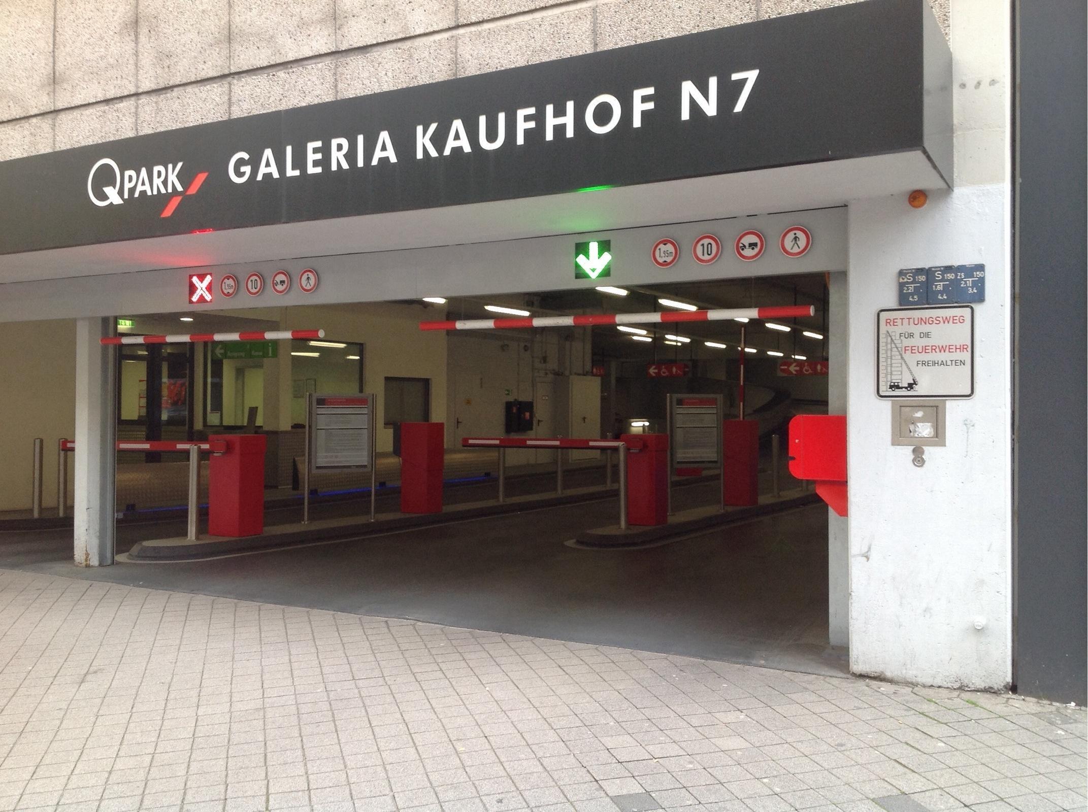 galeria kaufhof n7 parking in mannheim parkme. Black Bedroom Furniture Sets. Home Design Ideas