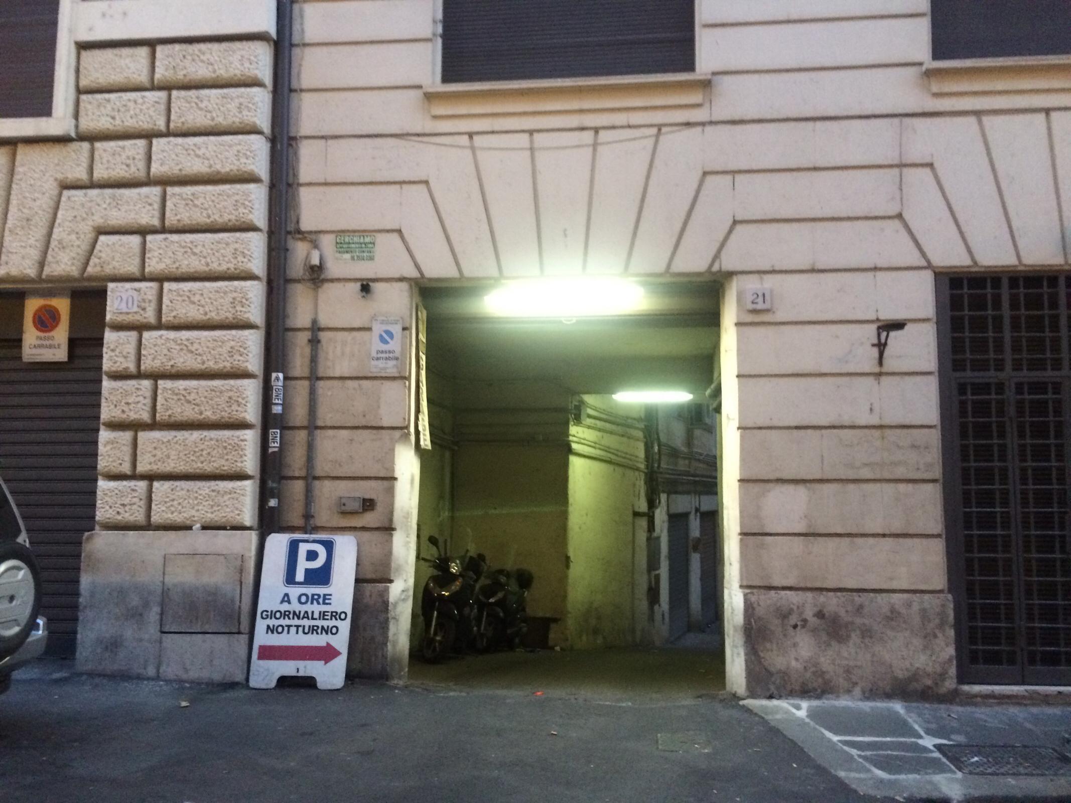 Via Paola 21 Garage Parking In Roma Parkme