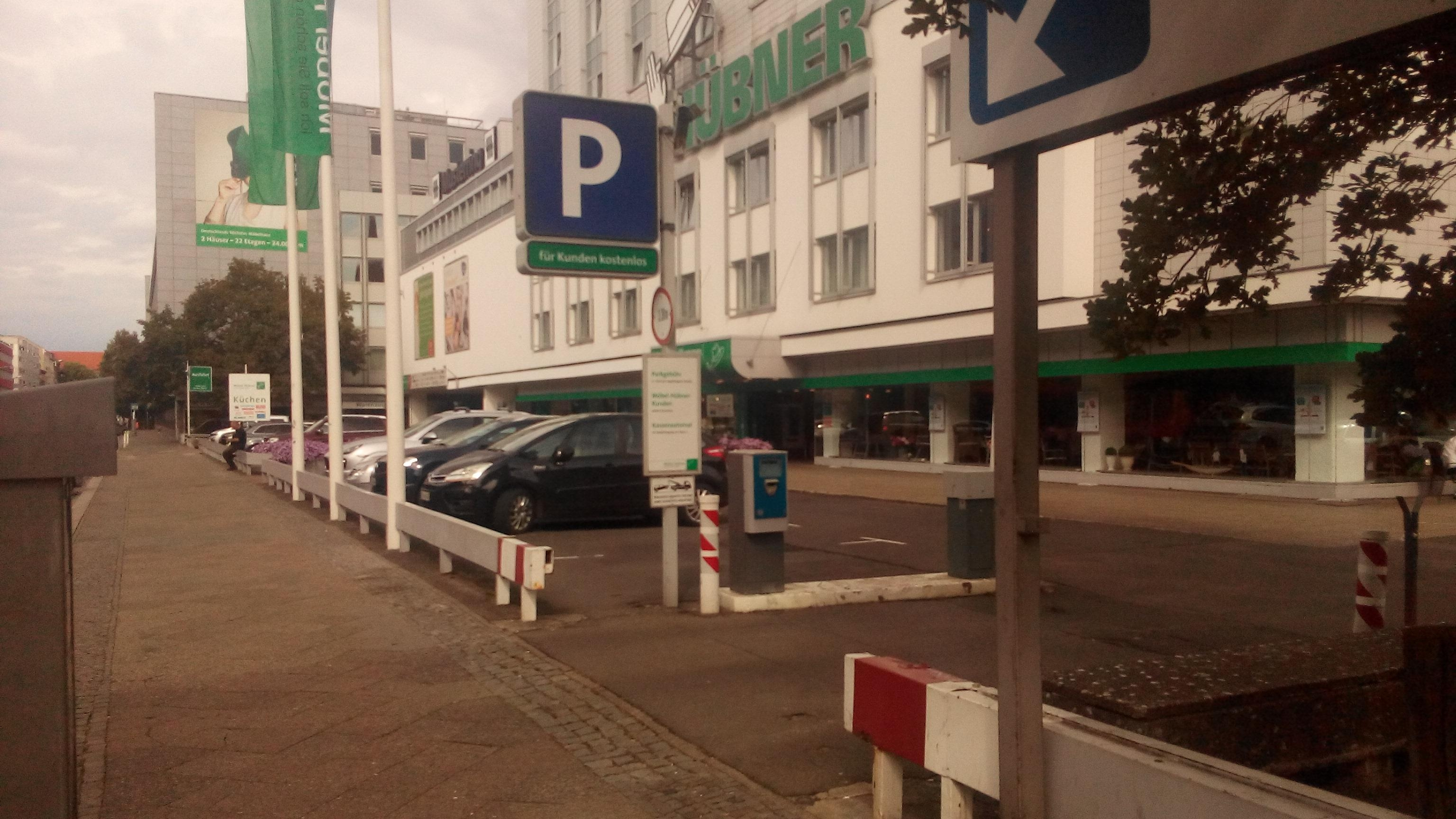 M bel h bner parking in berlin parkme for Mobel berlin