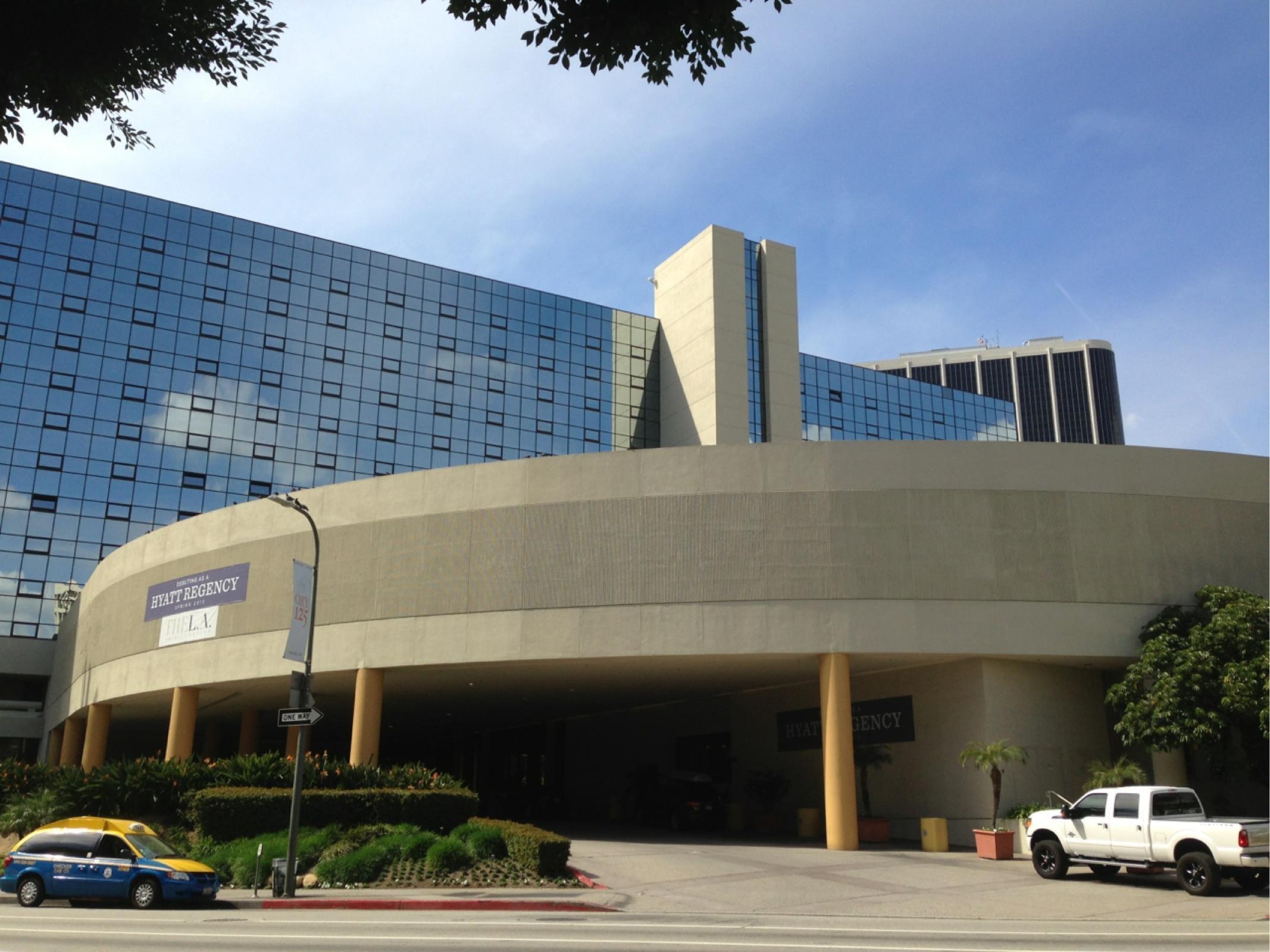 The La Hotel Downtown Parkplatz In Los Angeles Parkme