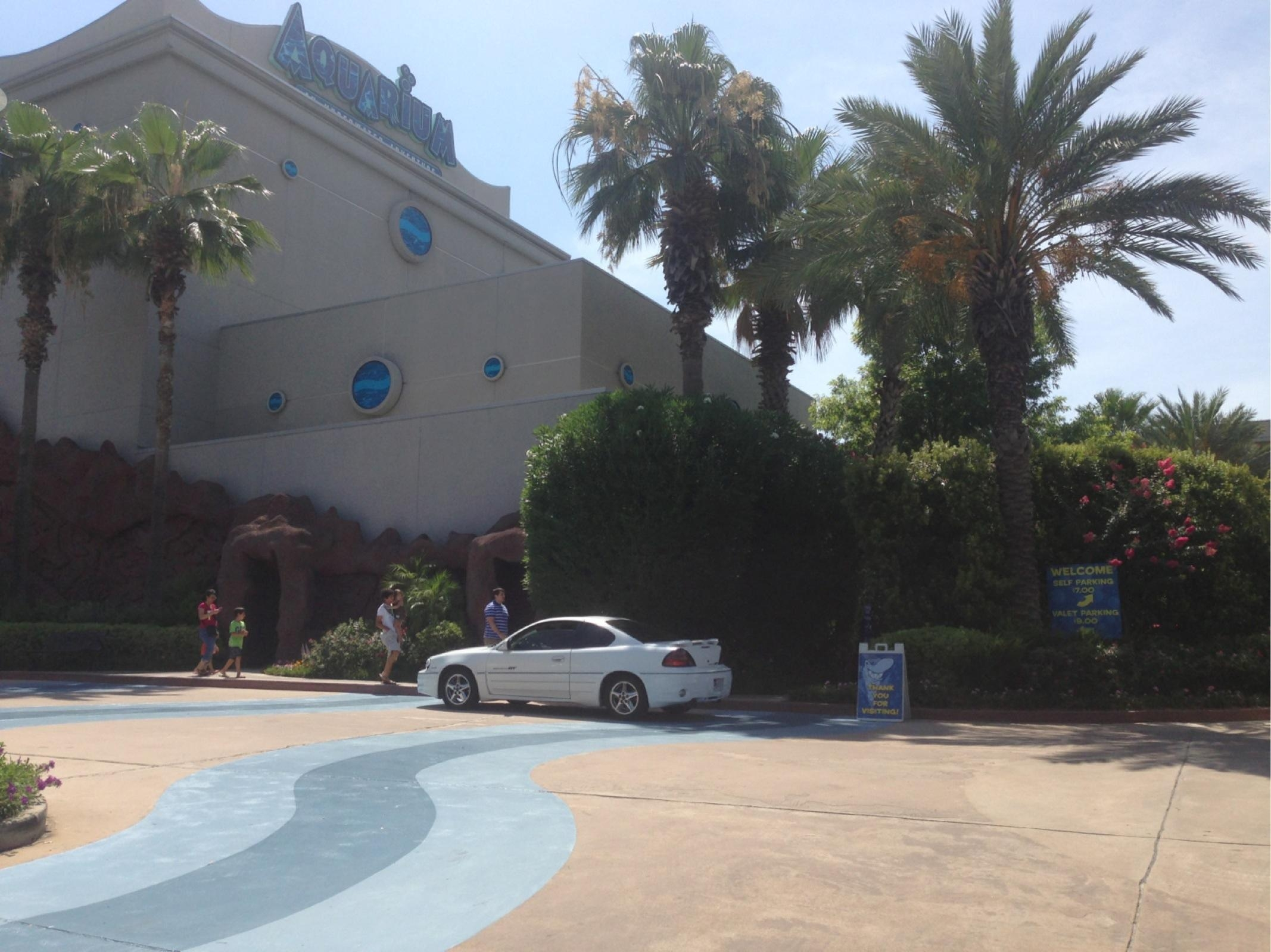 Downtown Aquarium Valet Lot Parking In Houston Parkme