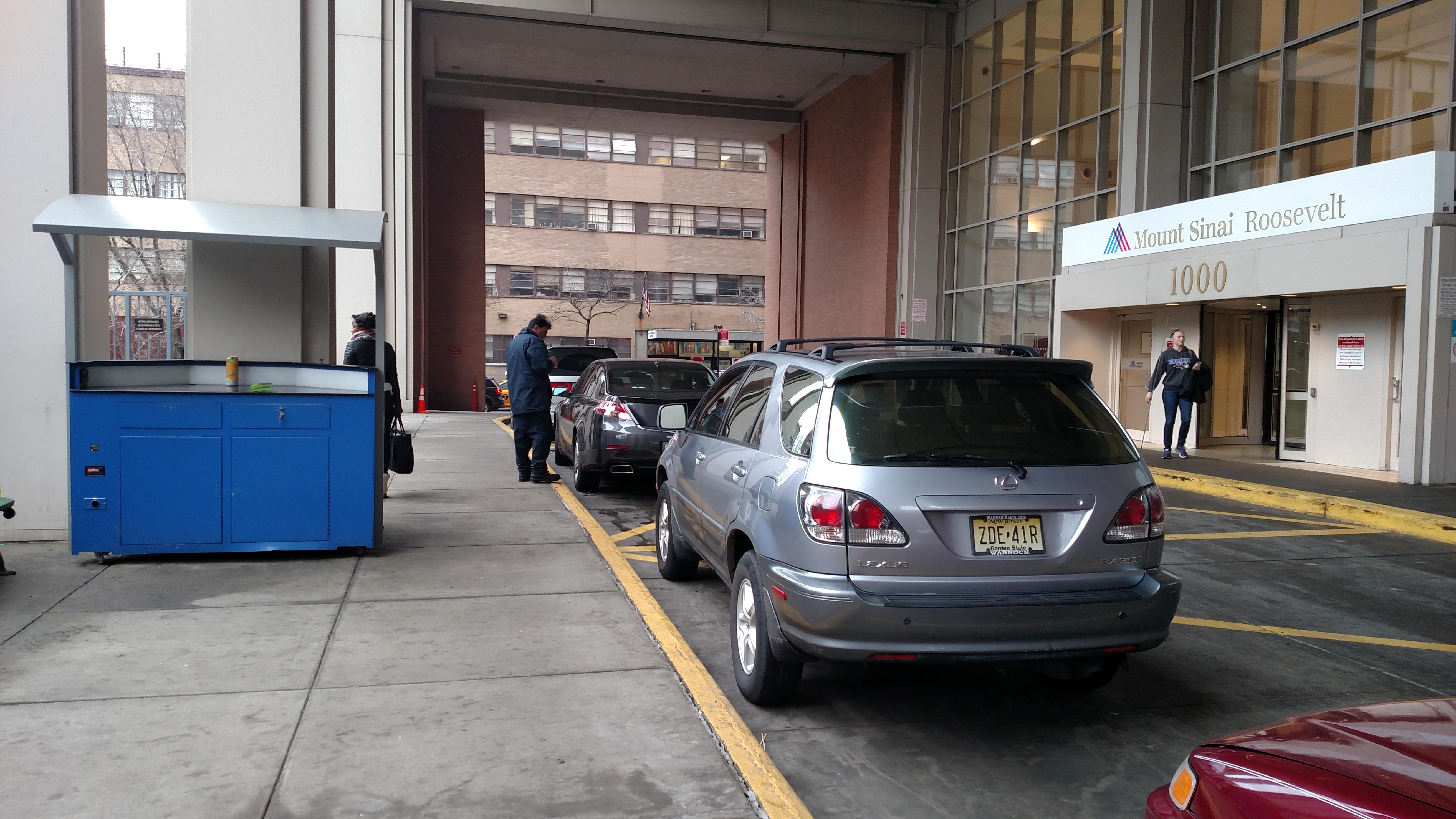 Mount Sinai West - Parking in New York | ParkMe