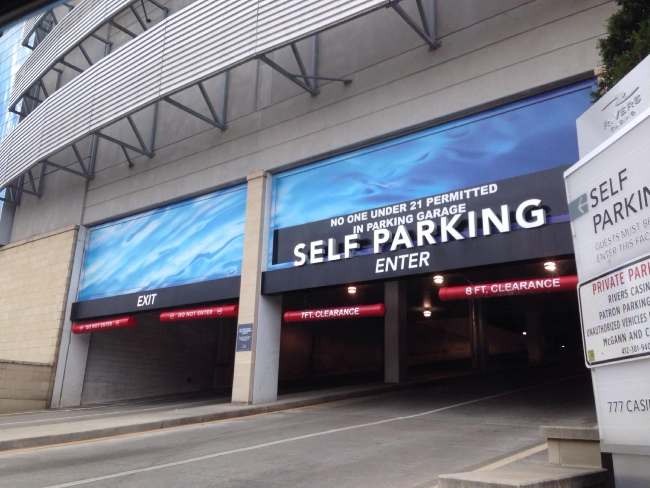 Rivers casino pittsburgh parking
