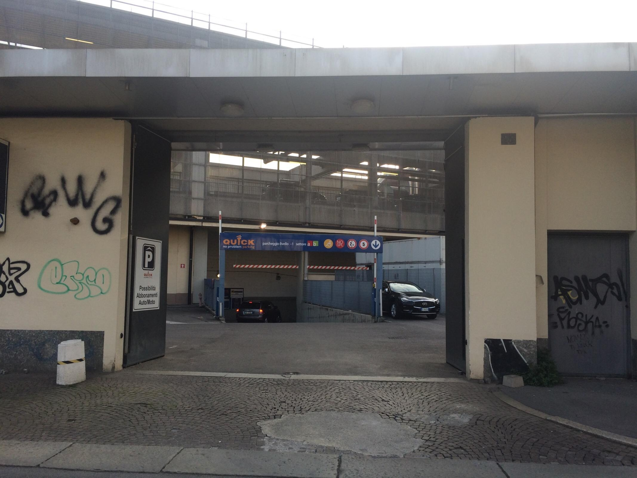 Sempione Parking In Milano Parkme