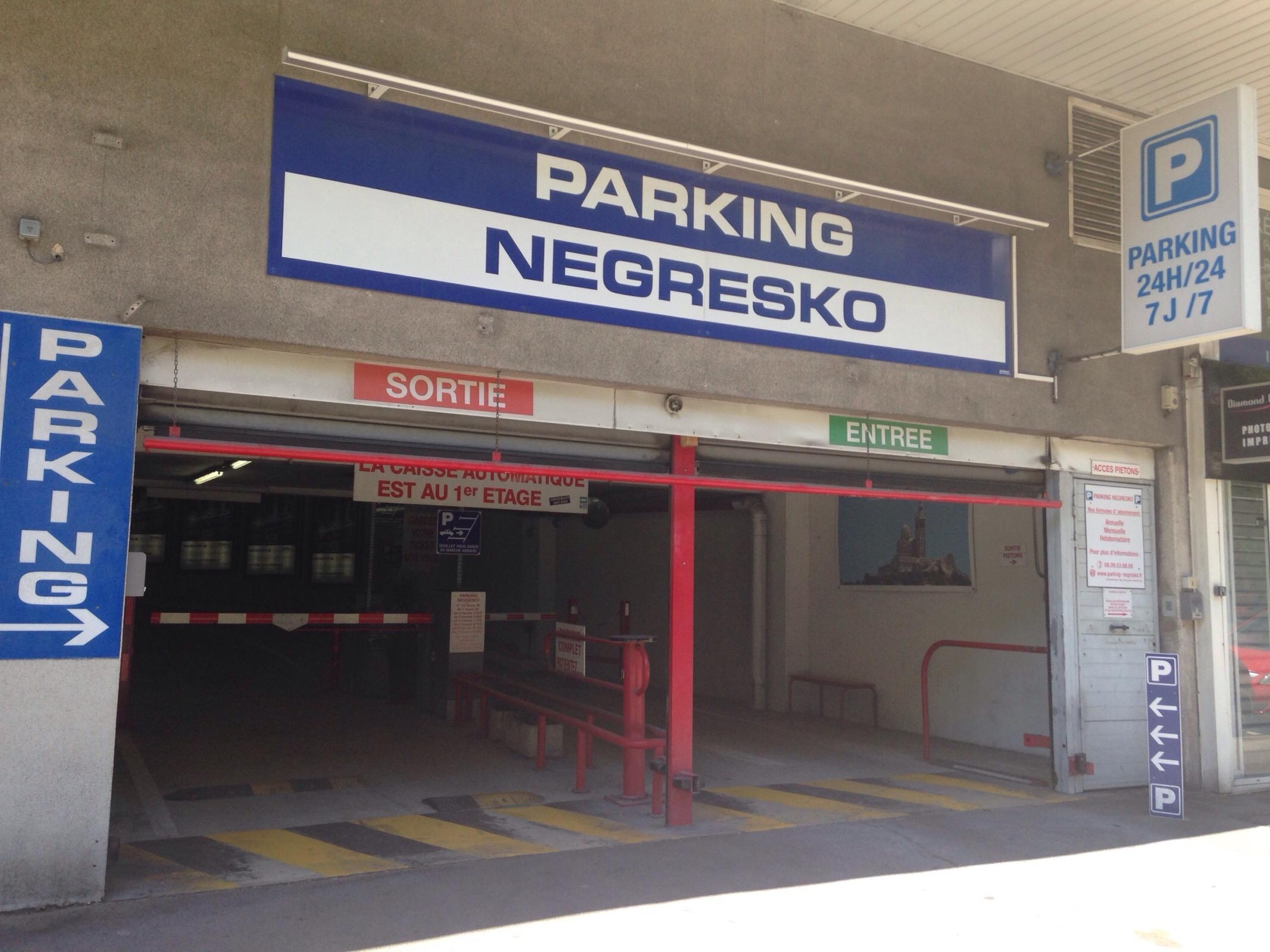 Estacionamentos parking negresko em marseille parkme for E parking marseille
