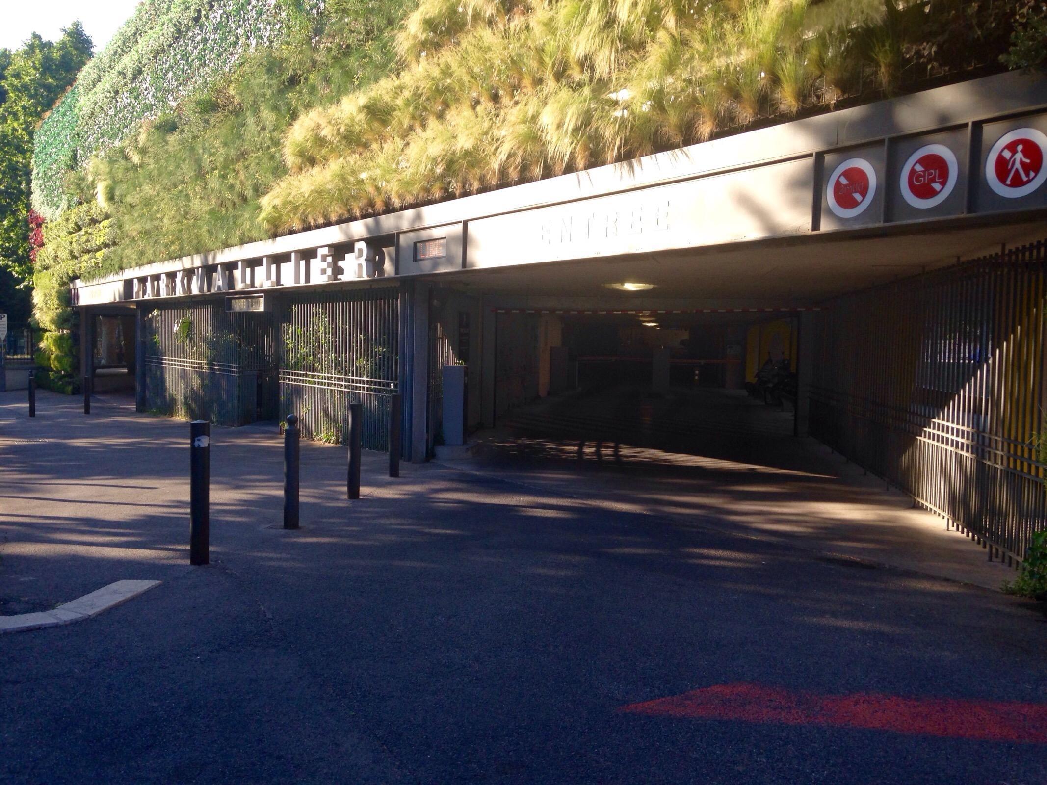 Vallier parking in marseille parkme for E parking marseille