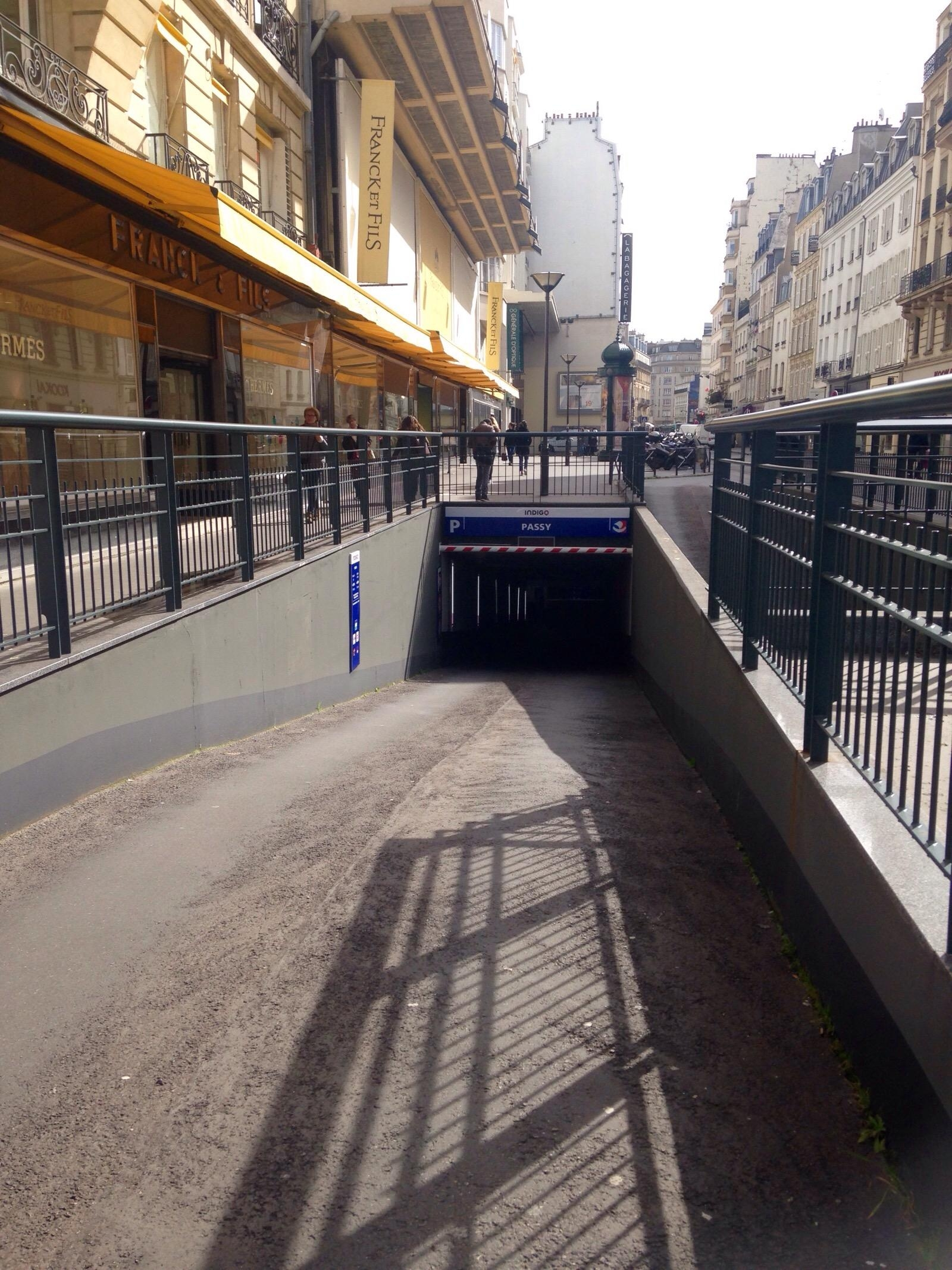 passy parking in paris parkme. Black Bedroom Furniture Sets. Home Design Ideas