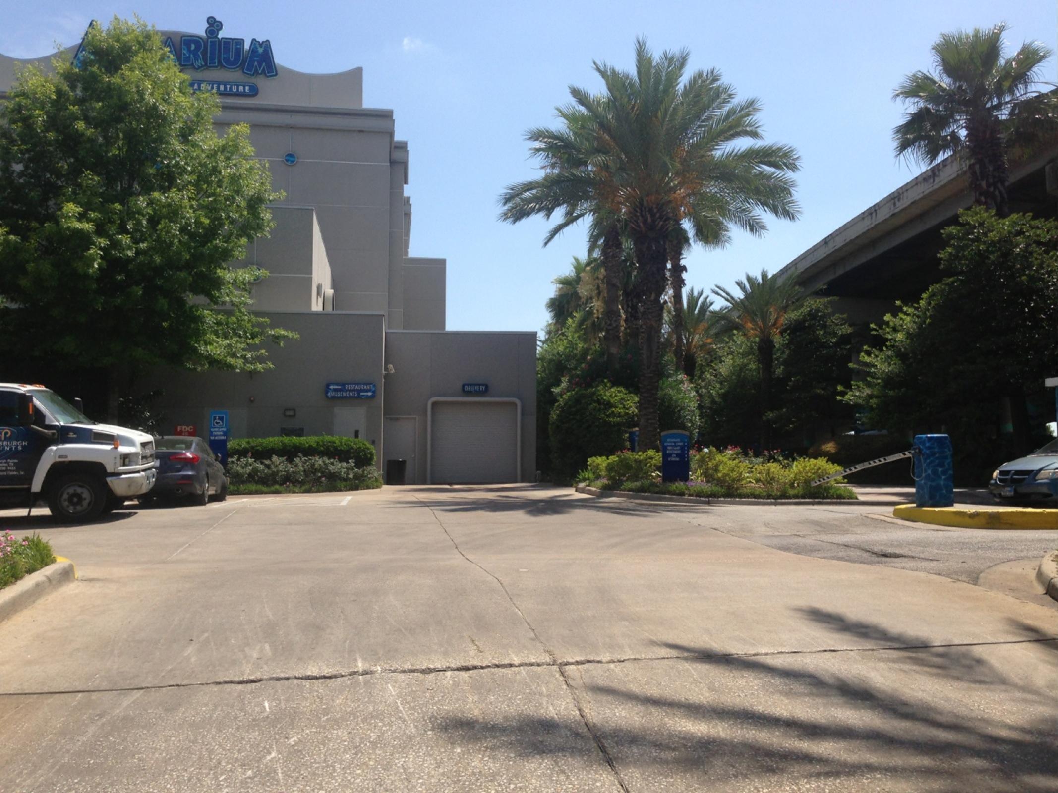 Landry 39 S Aquarium Lot Parking Parking In Houston Parkme