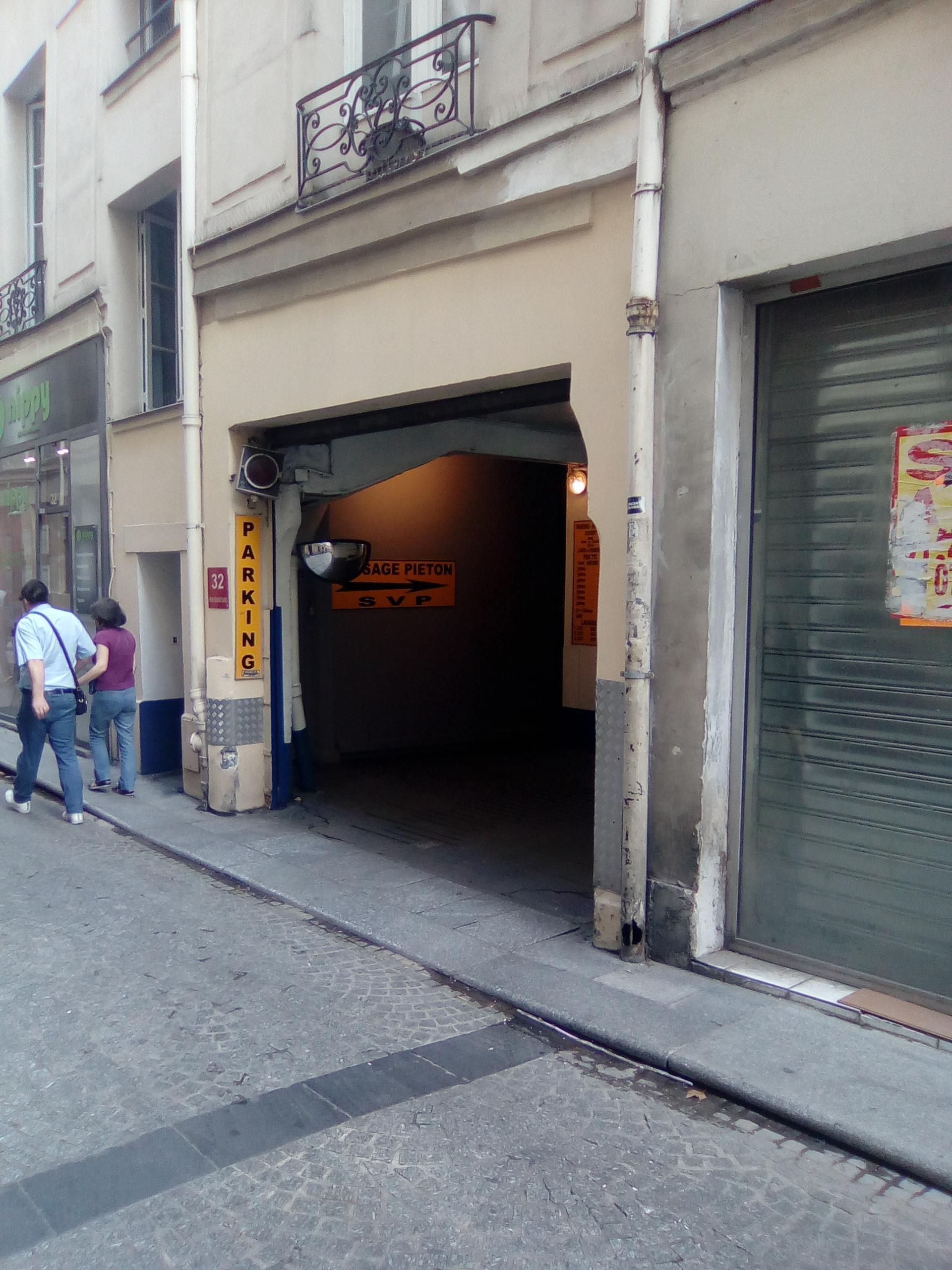 32 rue dussoubs garage parking in paris parkme for Garage mercedes paris 13