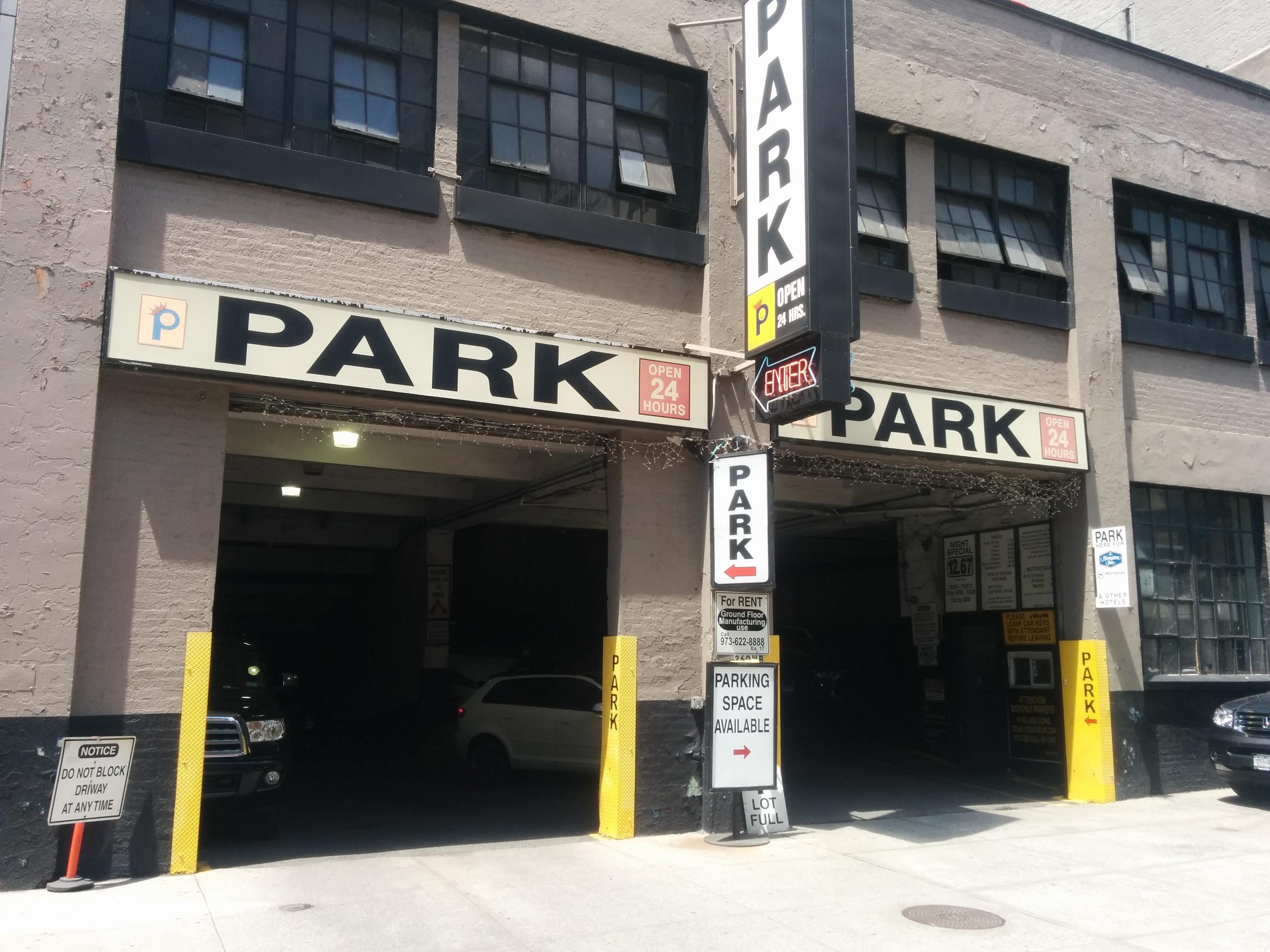 360 w broadway garage parking in new york parkme for New york parking garage