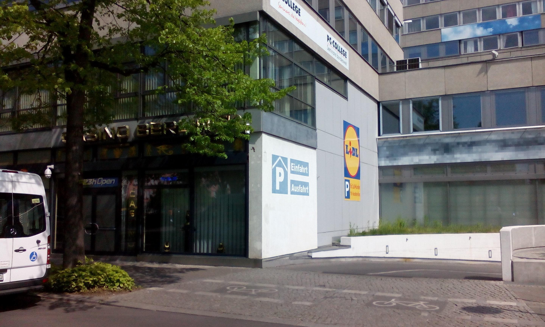 Schön Garage Am Haus Foto Von 1; 2; 3