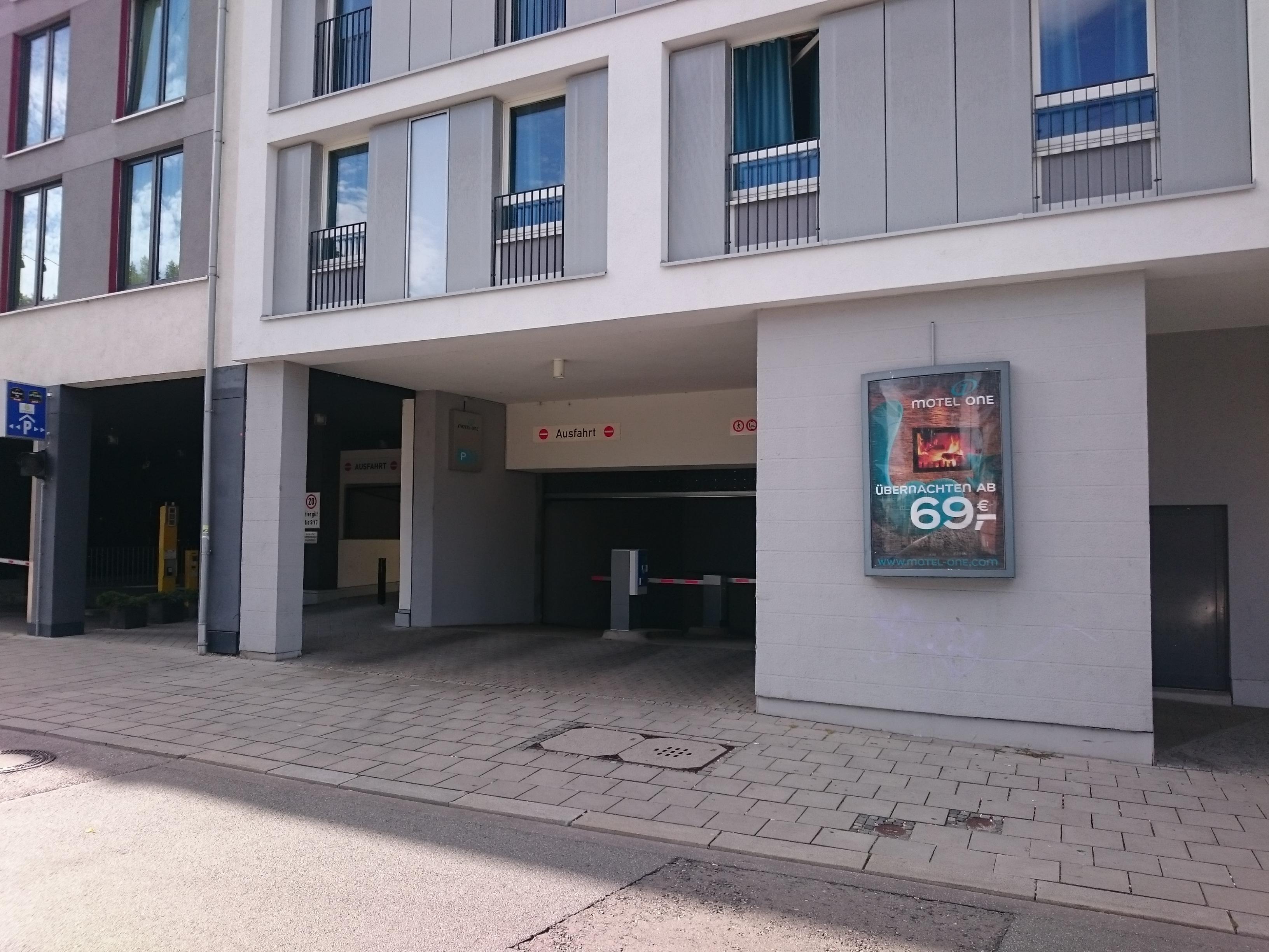 motel one m nchen city ost parking in m nchen parkme. Black Bedroom Furniture Sets. Home Design Ideas