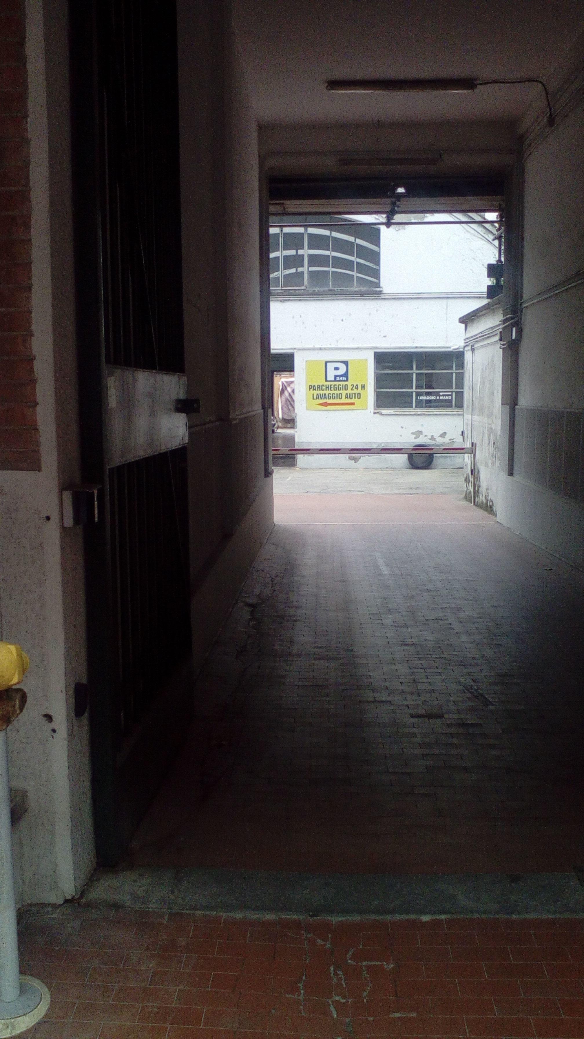 Via Marco Greppi 9 Garage Parking In Milano Parkme