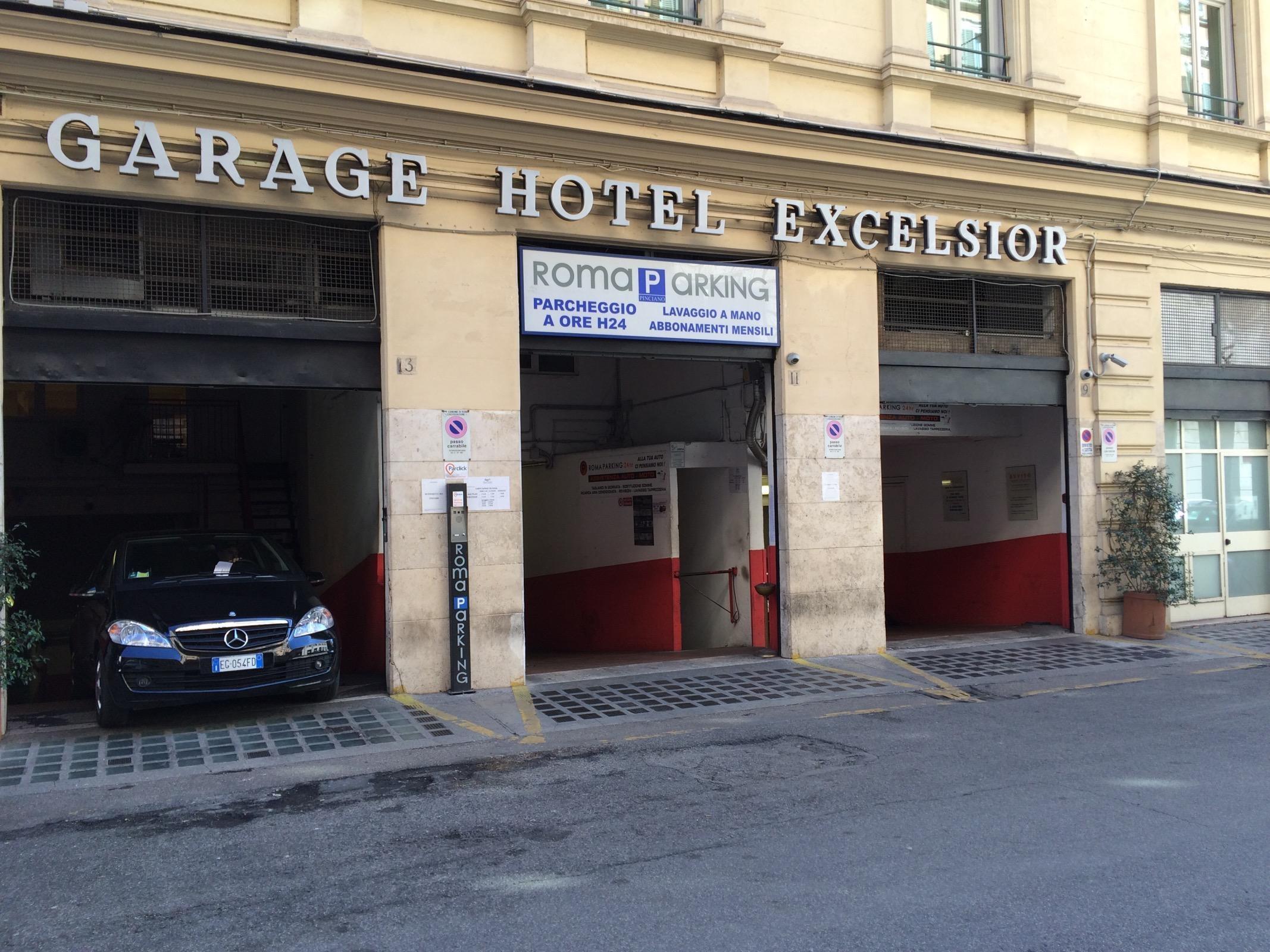Garage Hotel Excelsior Parking In Roma Parkme
