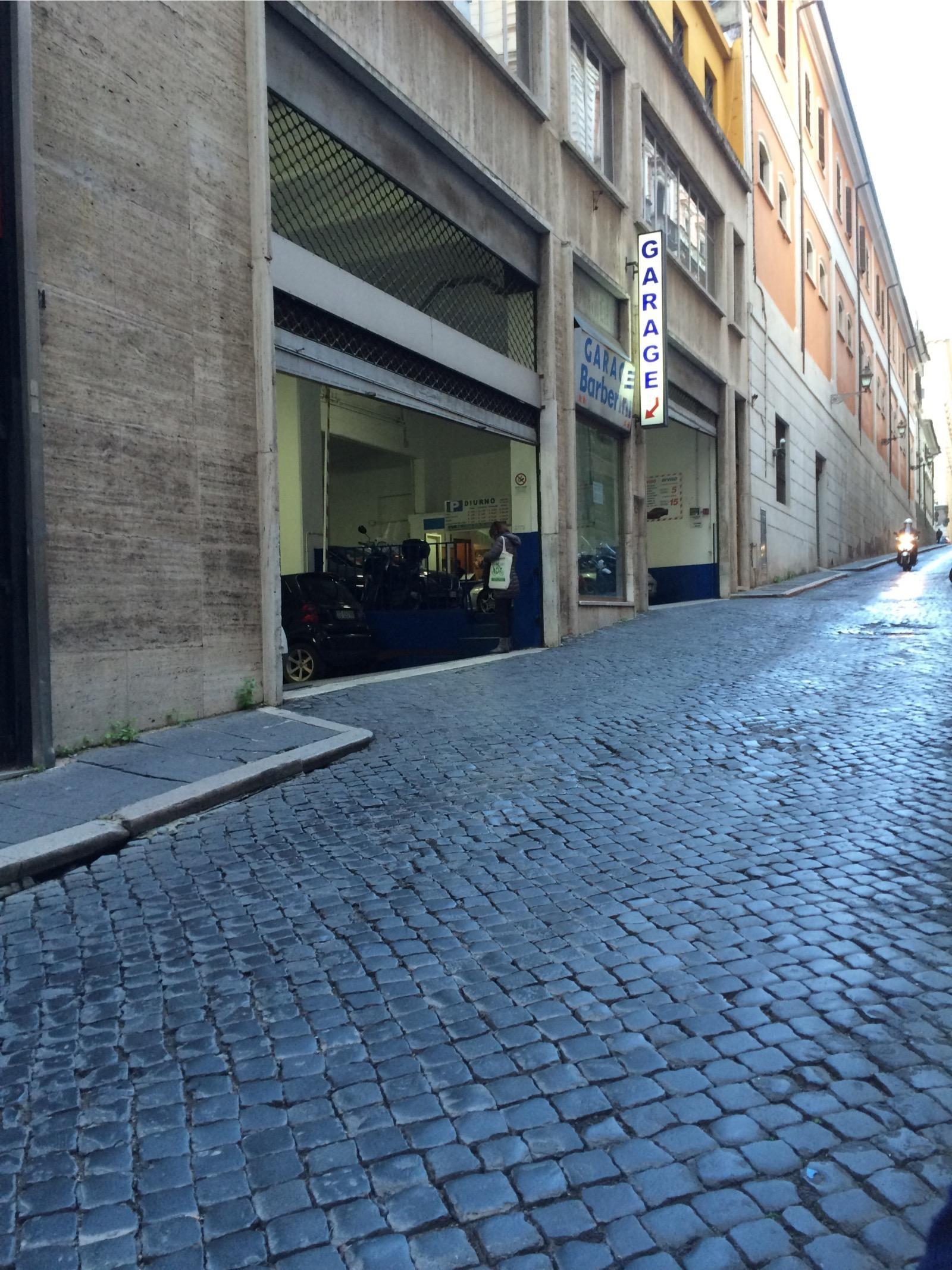 Garage Barberini Parking In Roma Parkme