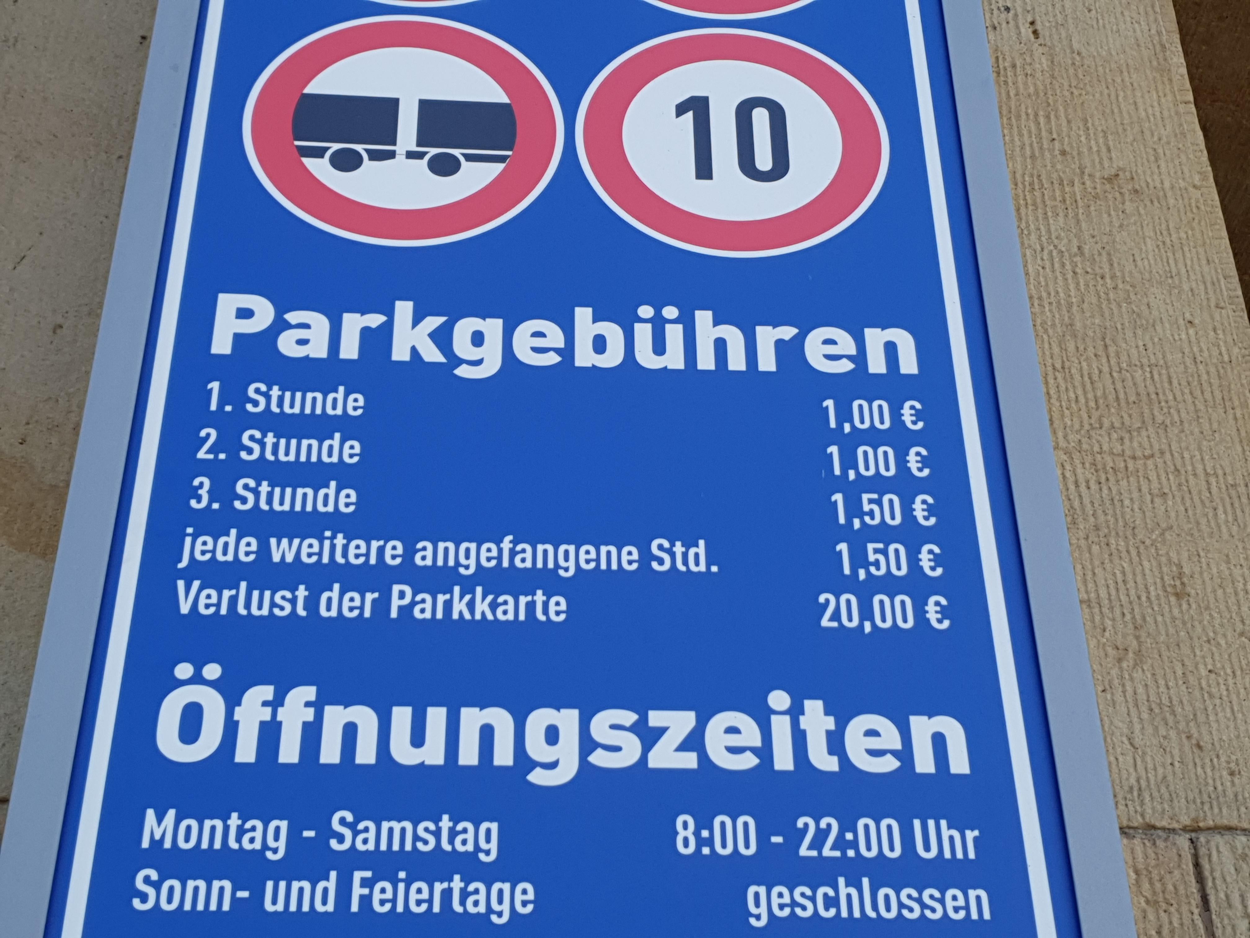 Altmarkt Galerie Parkplatz In Dresden Parkme