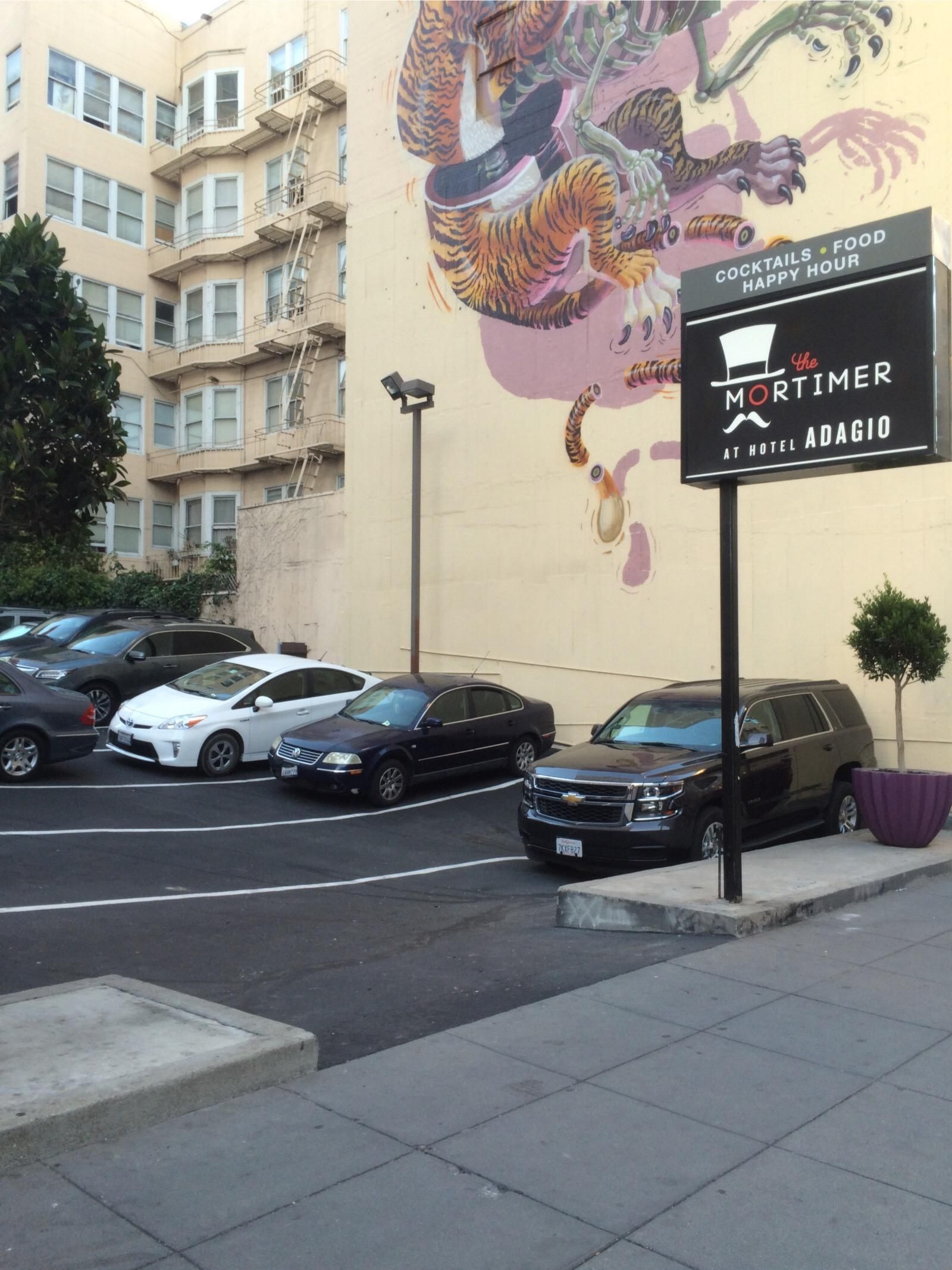 Hotel adagio parking in san francisco parkme for Reservation hotel adagio