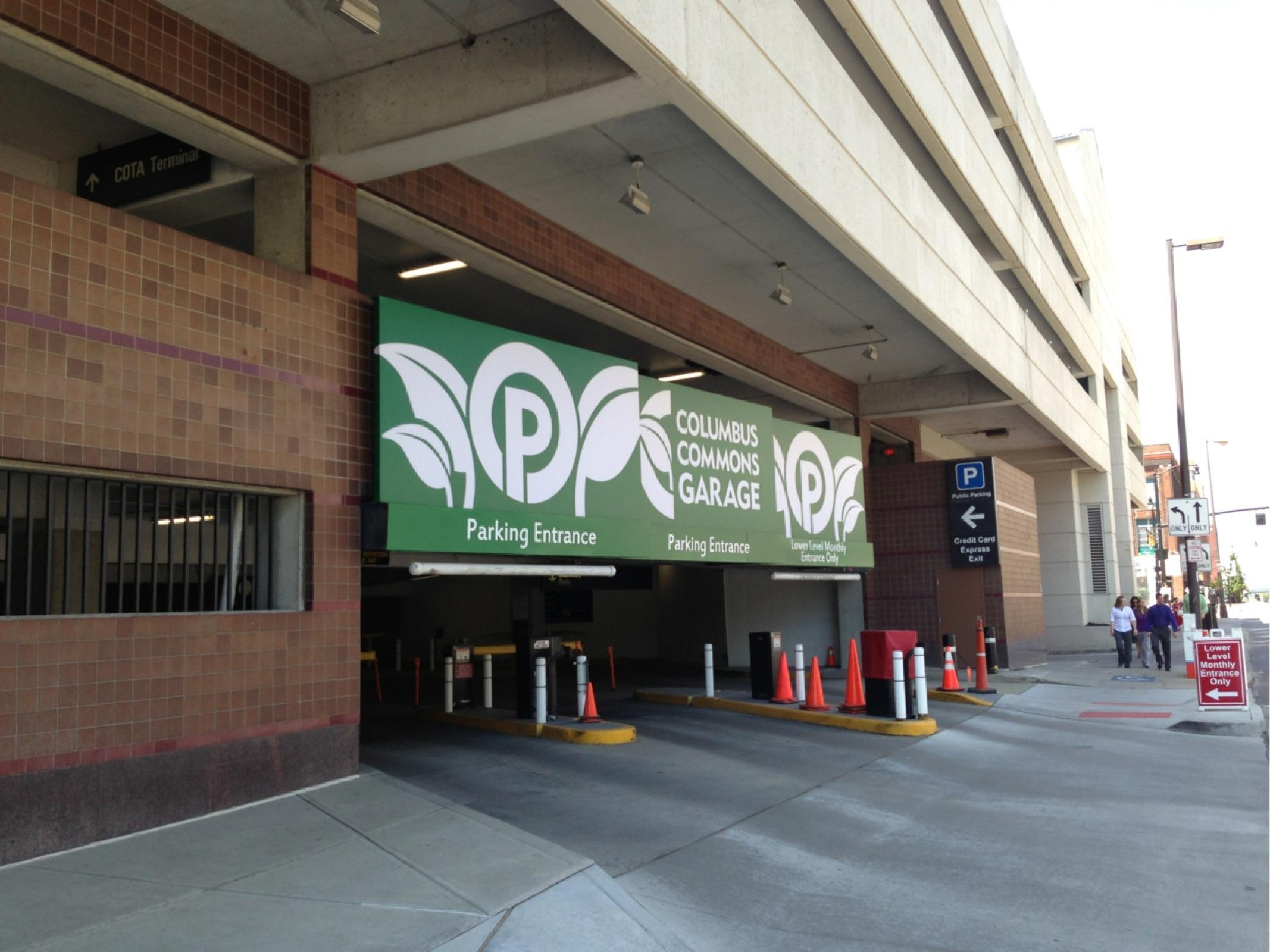 Columbus commons garage parking in columbus parkme for Ohio garage mandelieu