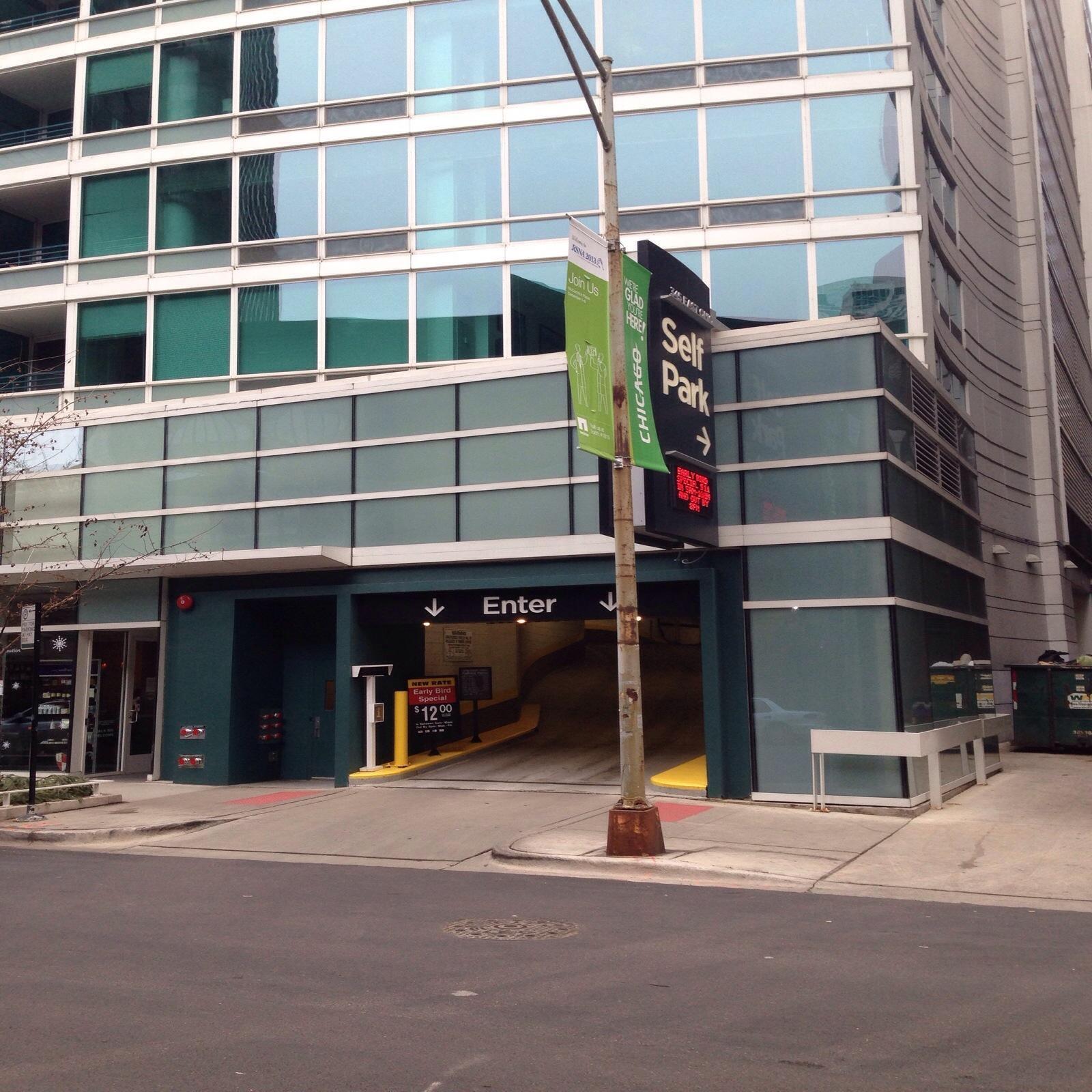 The Streeter Garage - Parking In Chicago