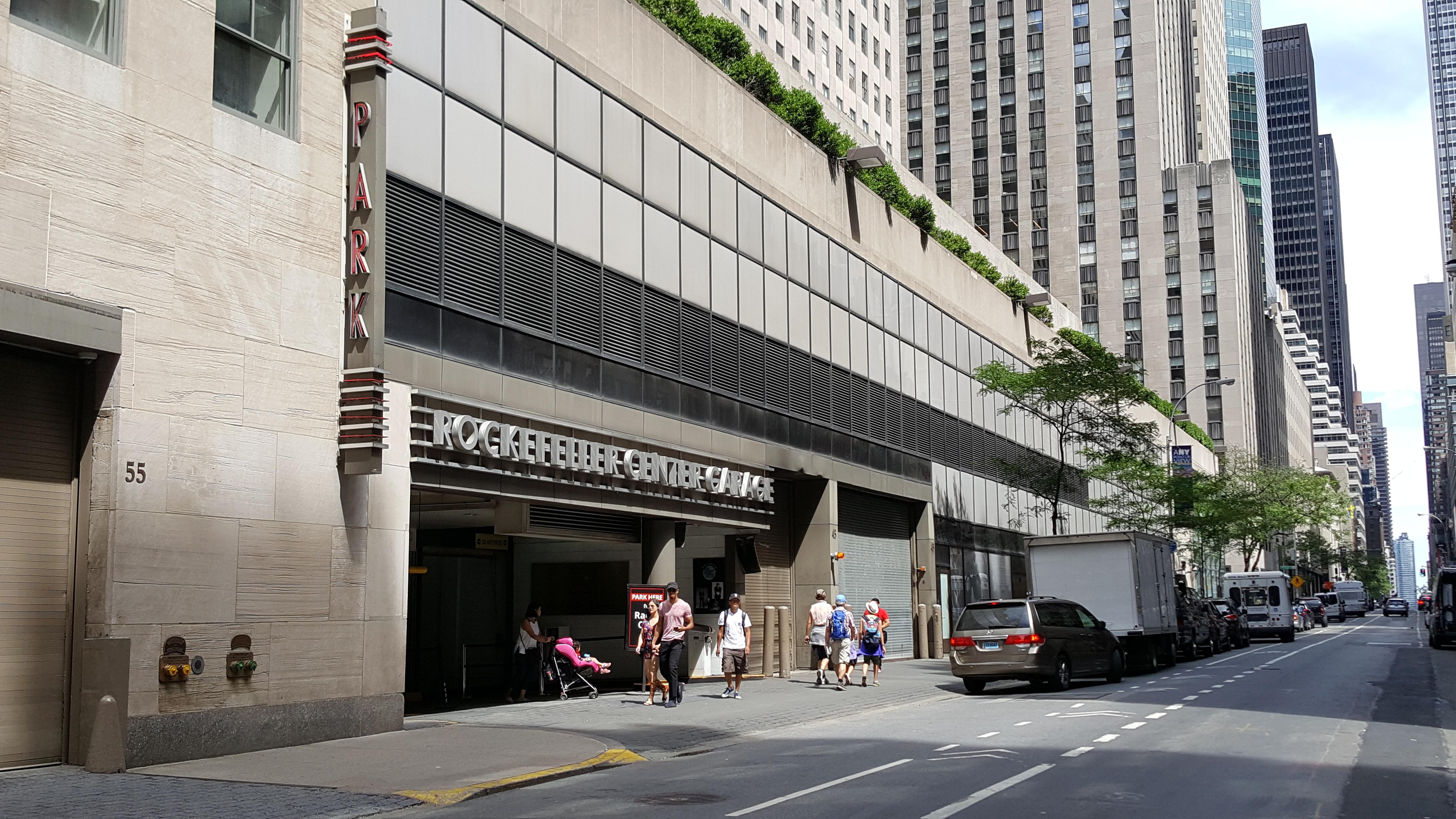 Rockefeller center garage parking in new york parkme for Ny city parking garages