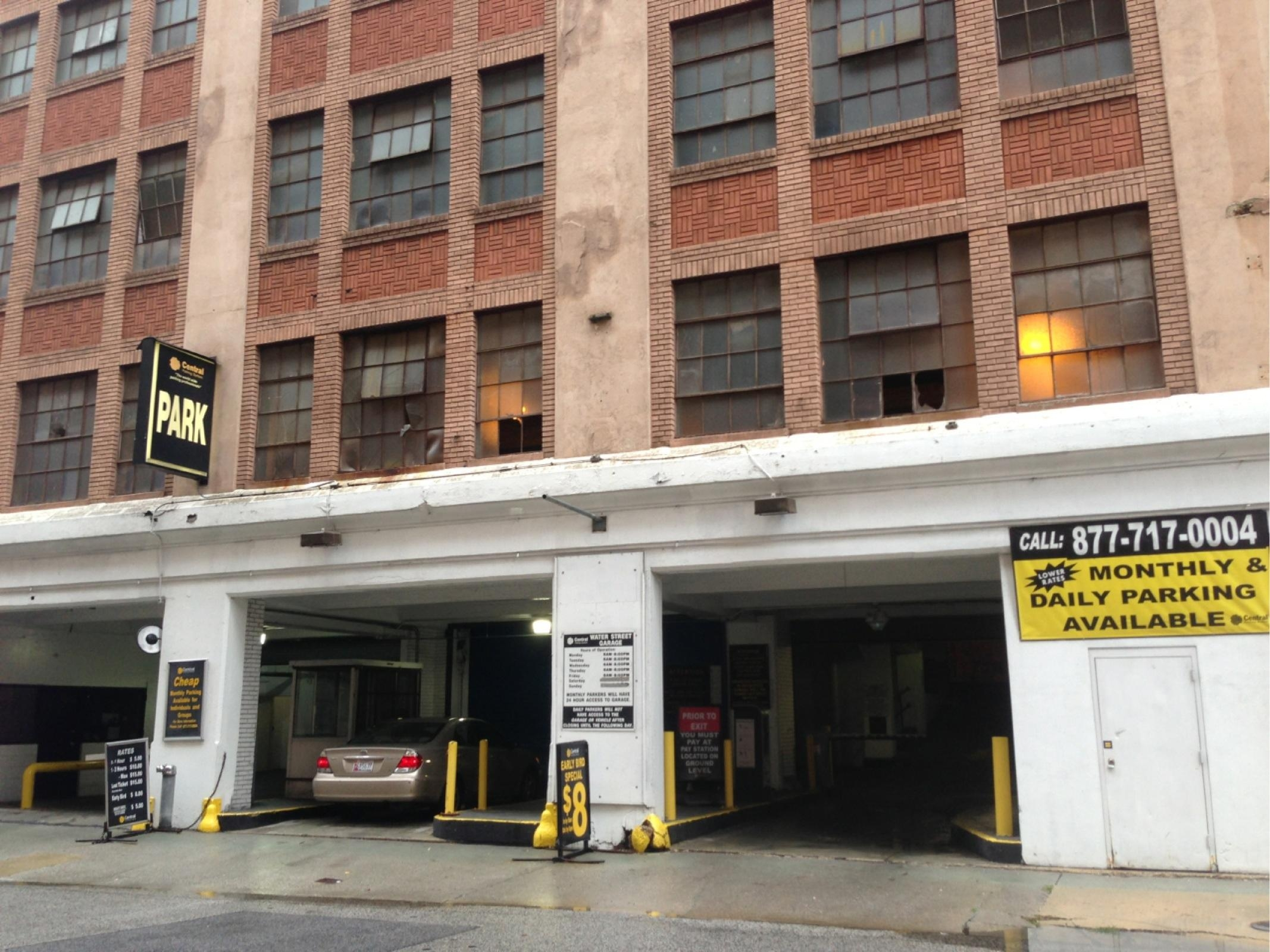 Water street garage parking in baltimore parkme for Garage md carvin
