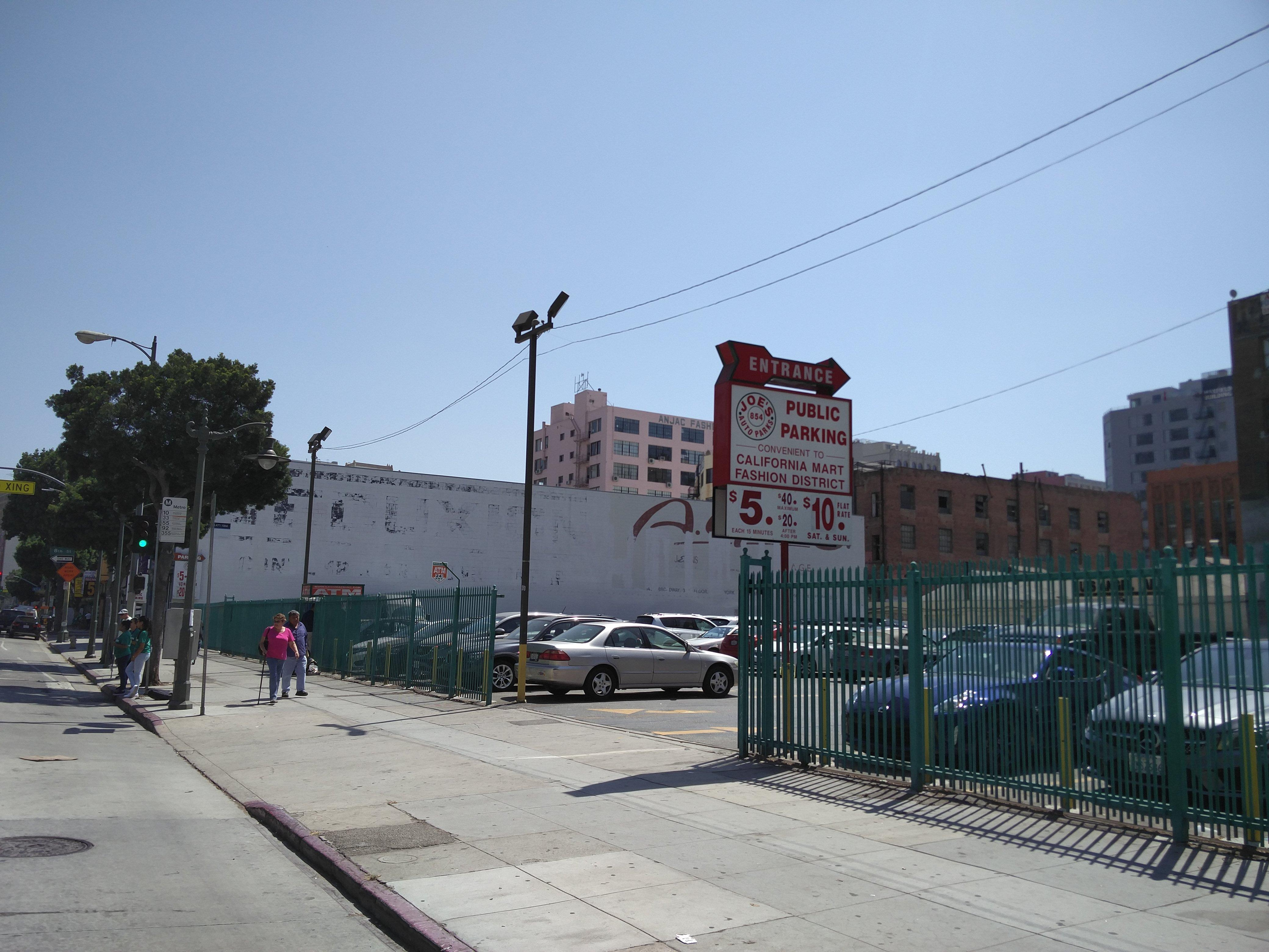 854 S Main St Parking Parking in Los Angeles
