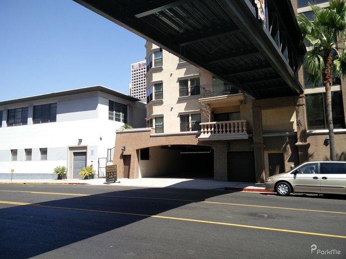 616 st paul ave garage parking en los angeles parkme for Rangements garage saint paul