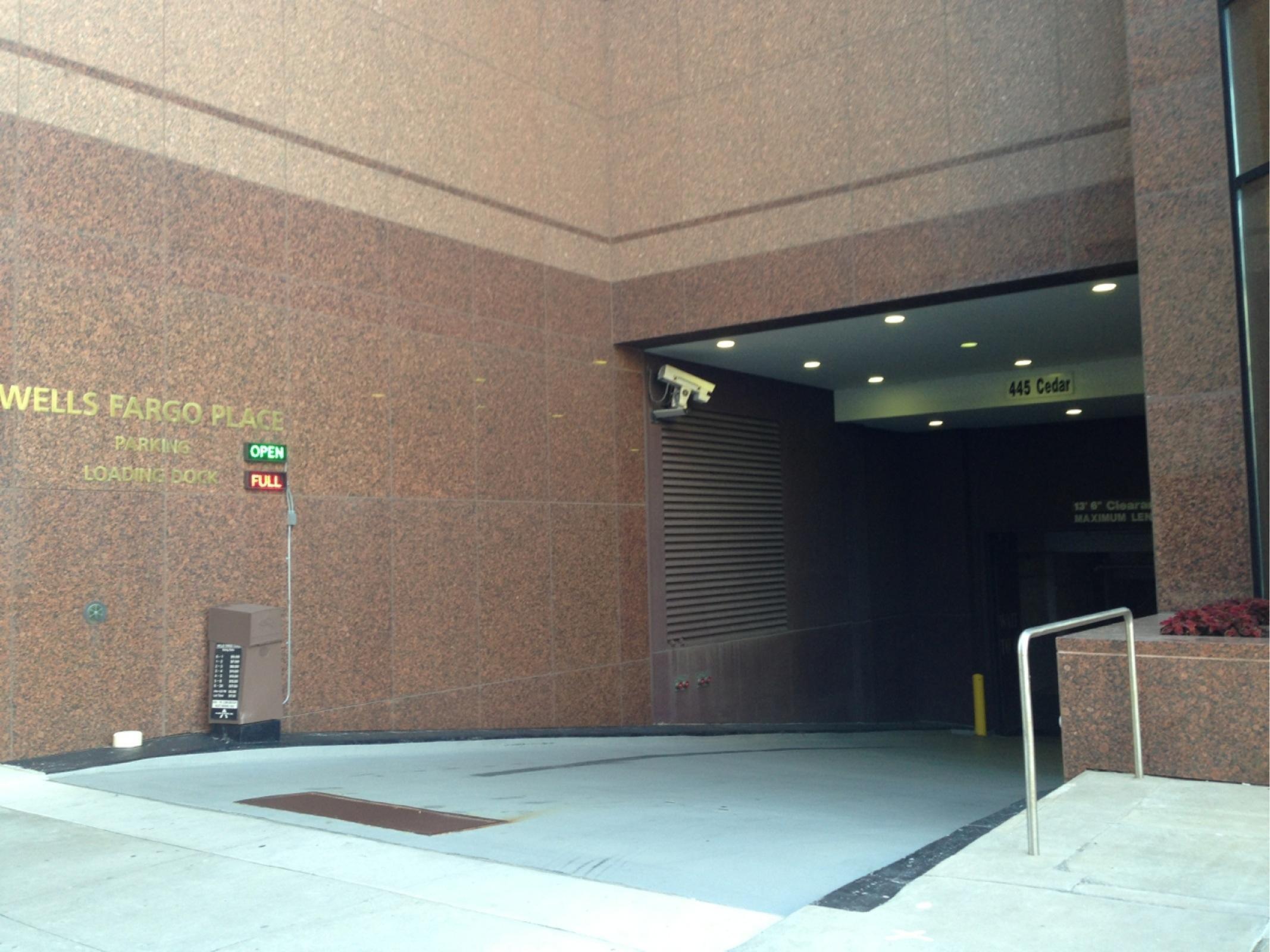 Estacionamentos 30 7th st e garage em saint paul parkme for Rangements garage saint paul