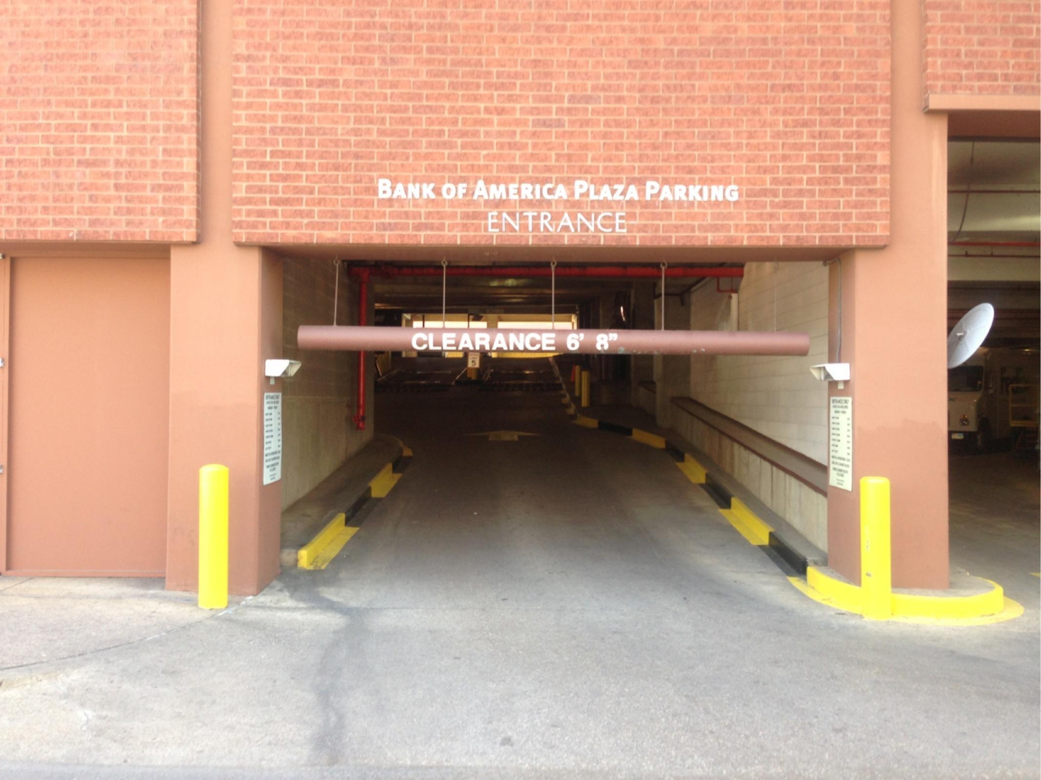 Bofa Plaza 800 Main Garage Parking