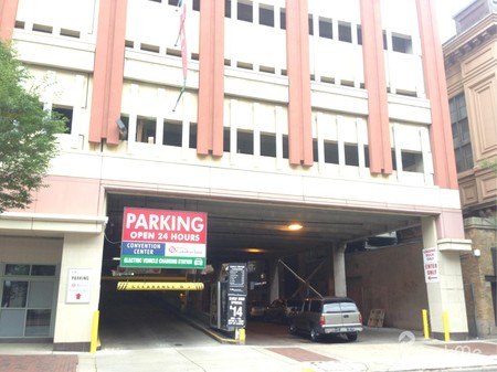 convention center garage - Hilton Garden Inn Philadelphia