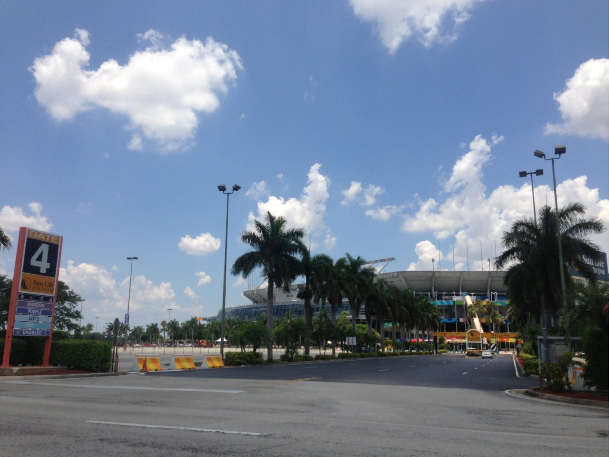 347 Don Shula Dr Parking Parking In Miami Gardens Parkme