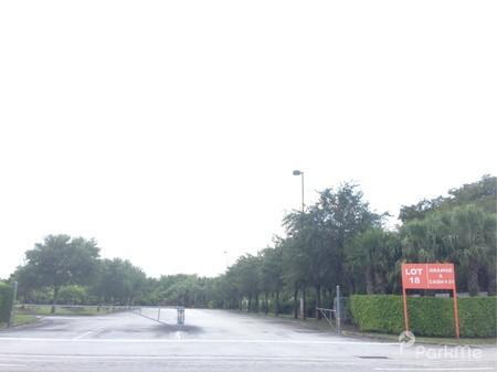 Lot 18 Orange Parking In Miami Gardens Parkme