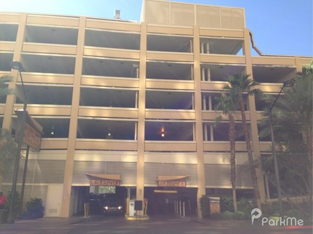 Golden Nugget Parking In Las Vegas Parkme