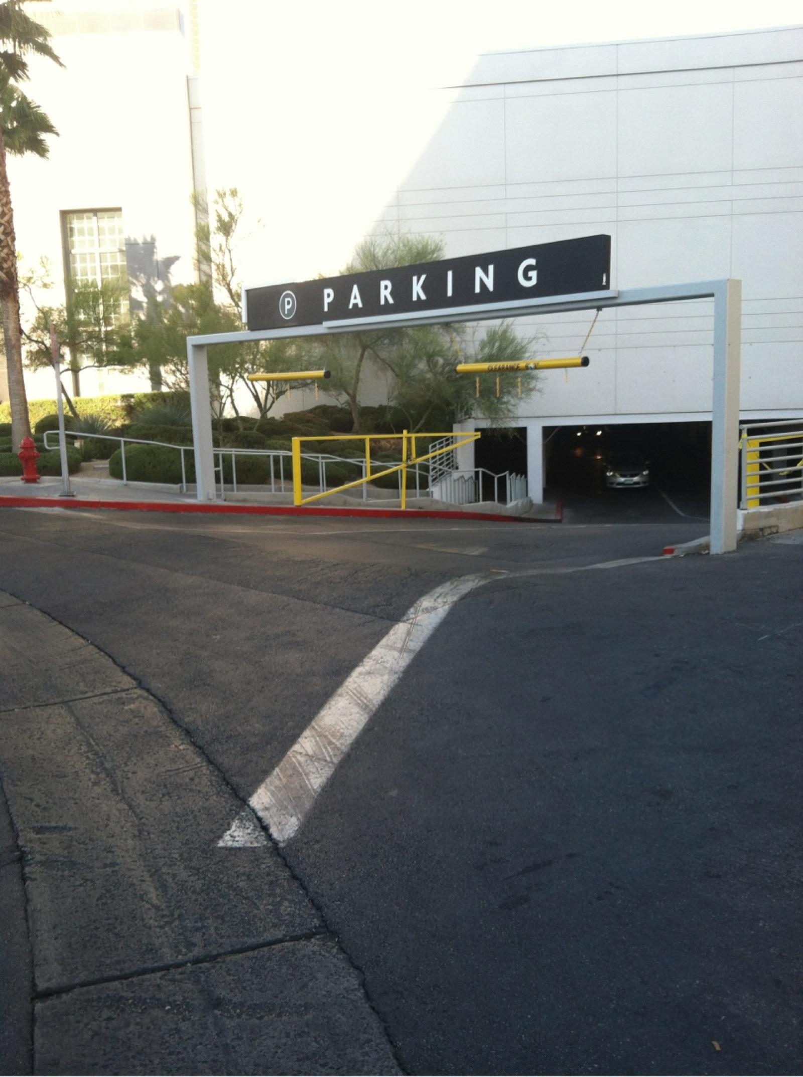 Fashion show mall parking