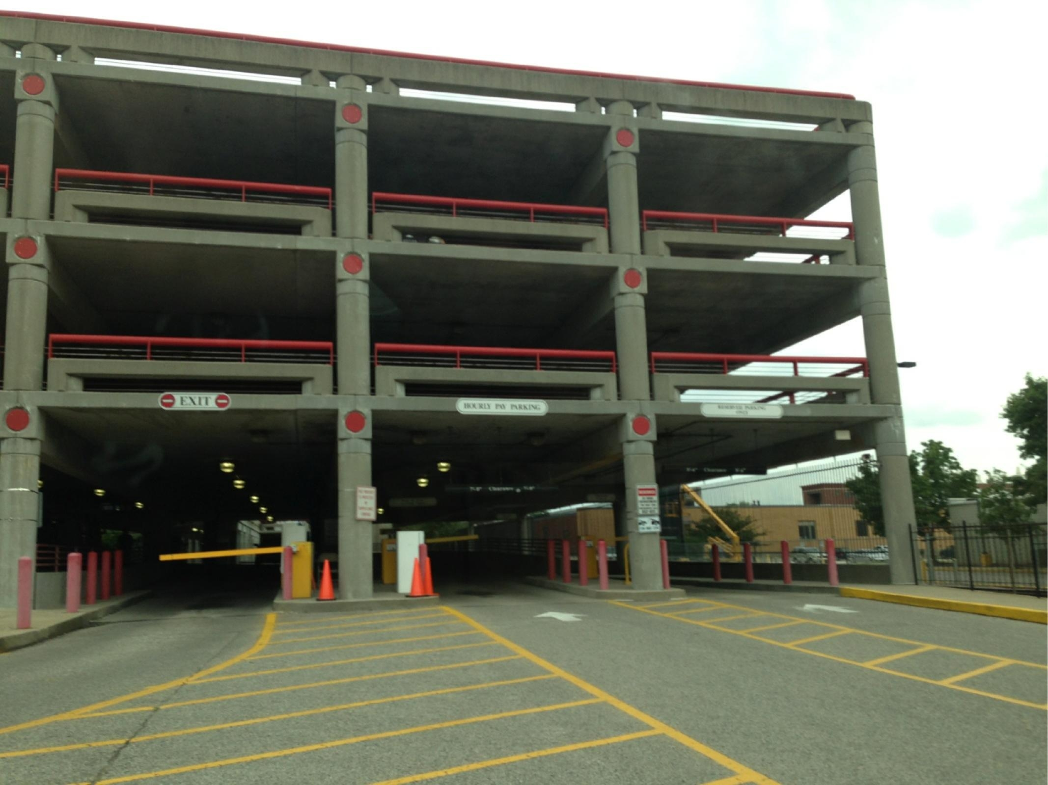 2118 2198 S Floyd St Garage Parking In Louisville Parkme