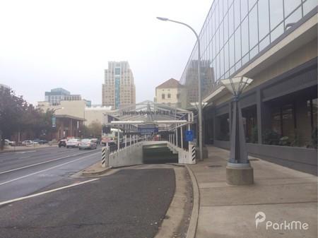 Downtown Plaza East Garage Parking In Sacramento Parkme