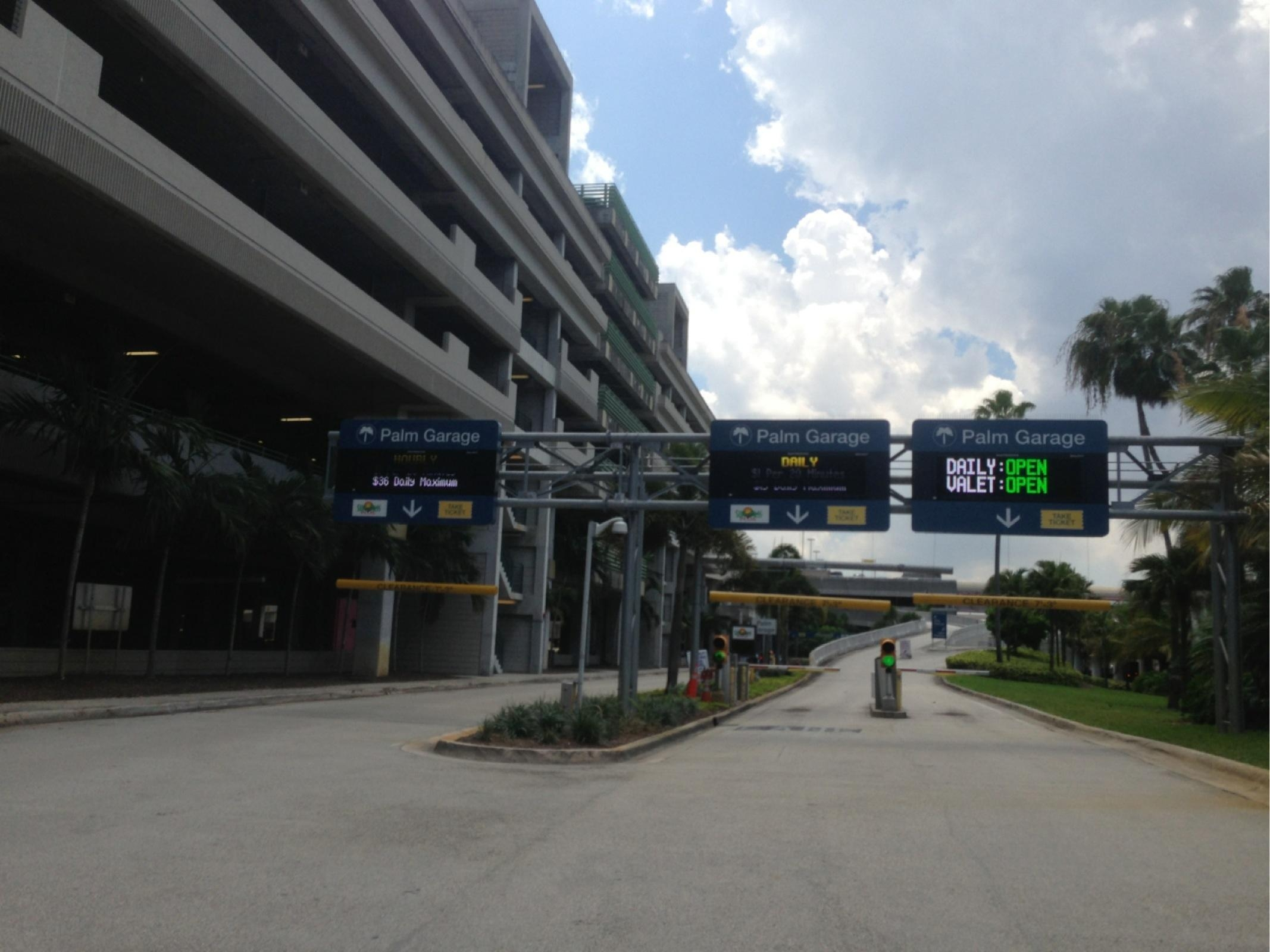 Fll Palm Garage Daily Parking In Fort Lauderdale Parkme
