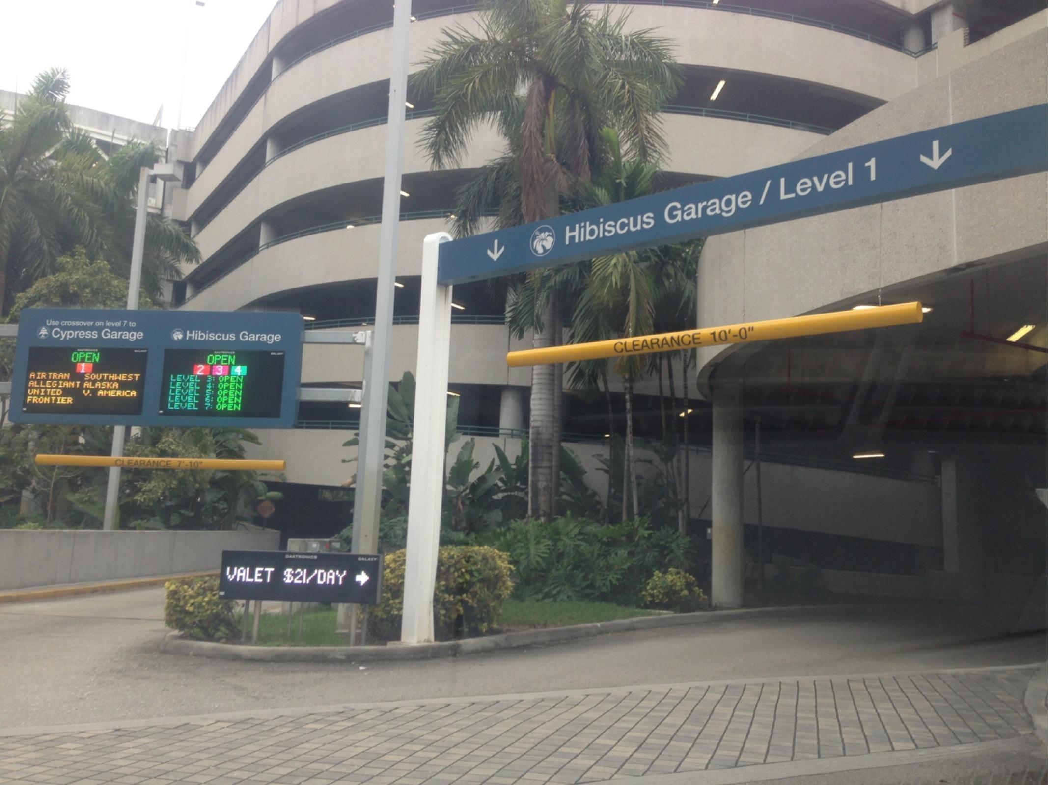 Fll Hibiscus Garage Hourly Parking Parking In Fort