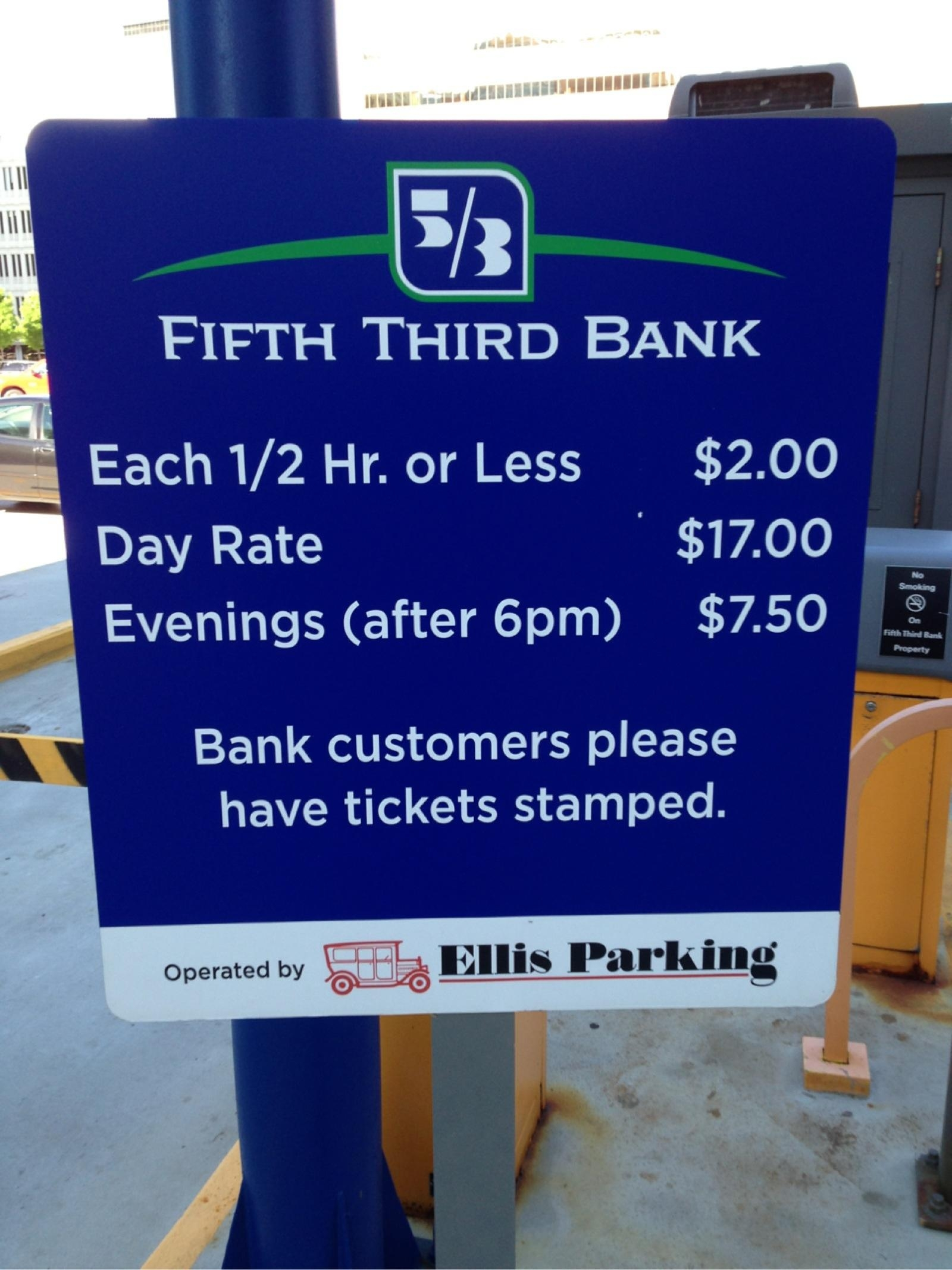Auto Bill Payer Fifth Third Bank : Fifth third bank parking in grand rapids parkme