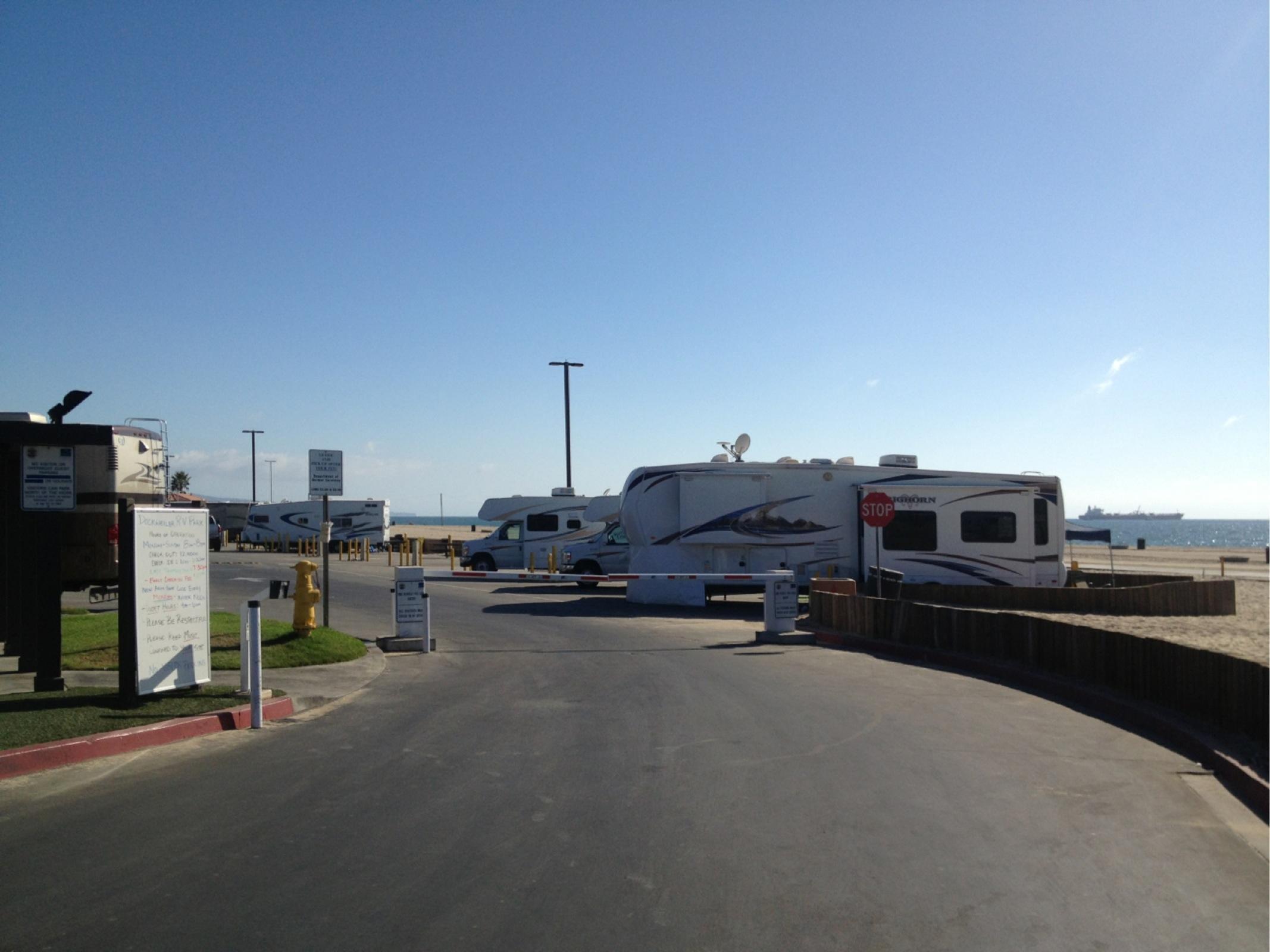 Dockweiler rv park parking in los angeles parkme for Motor homes los angeles
