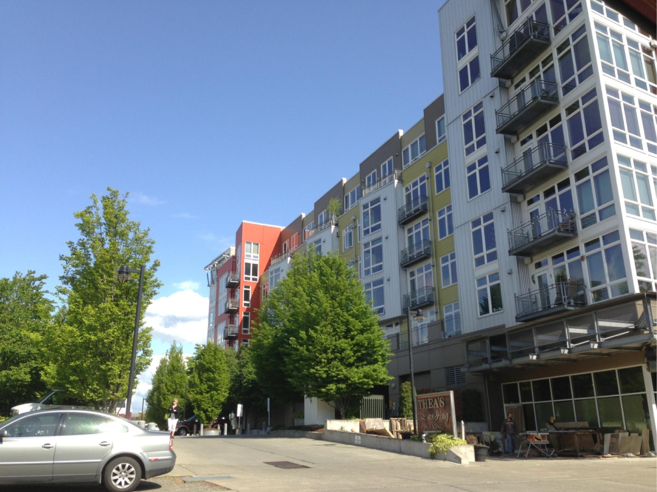 thea 39 s landing parking in tacoma parkme. Black Bedroom Furniture Sets. Home Design Ideas